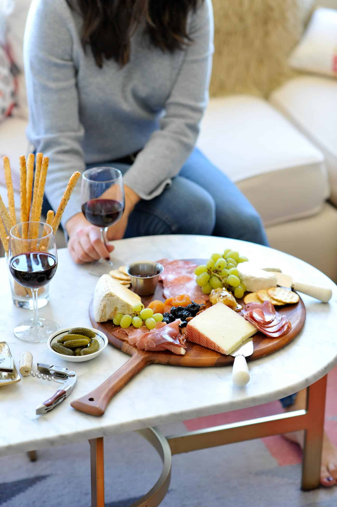 how to make a charcuterie board, tips for making a meat and cheese plate - My Style Vita @mystylevita
