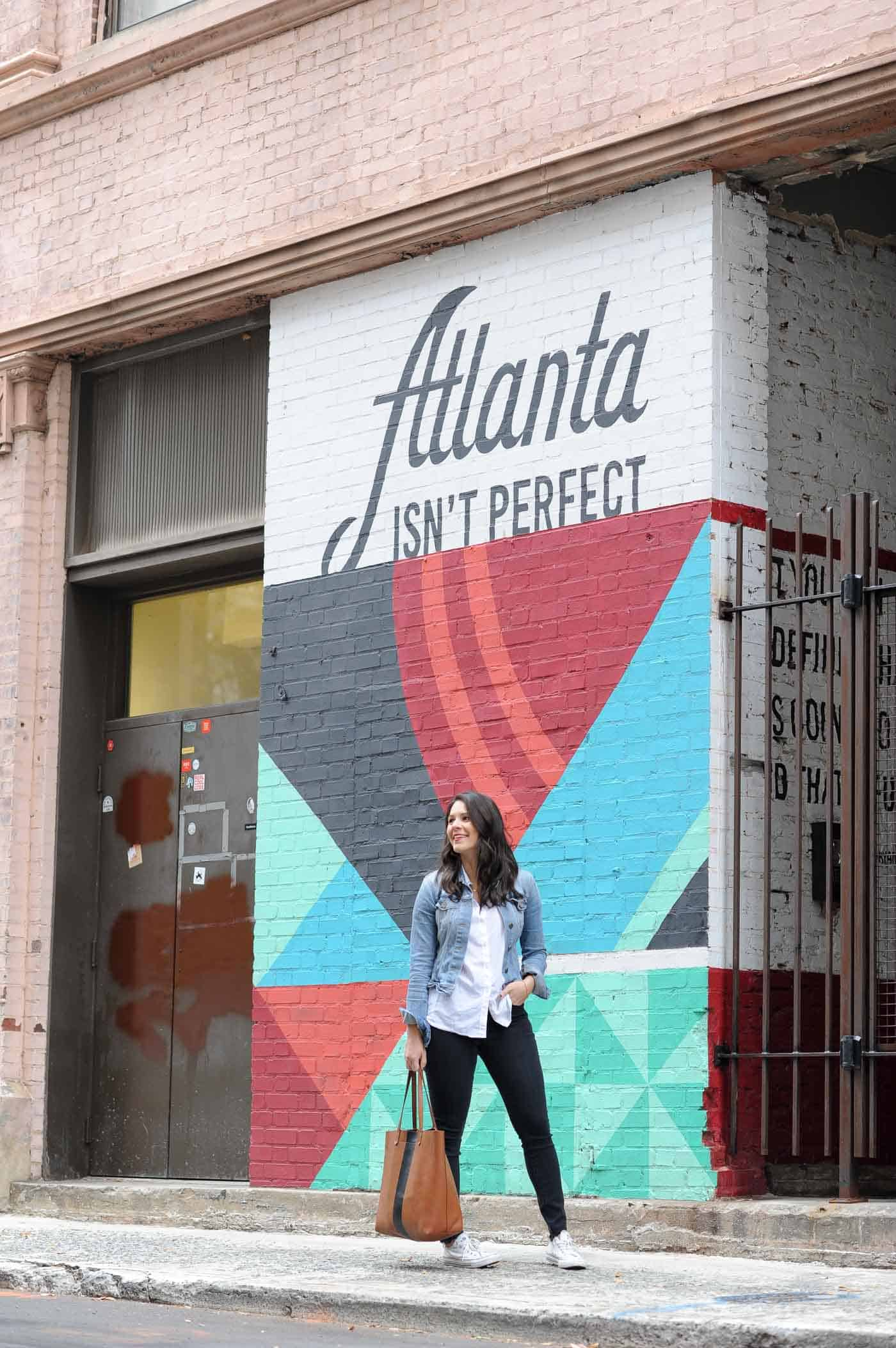 Atlanta Isn't Perfect mural, casual weekend outfit - My Style Vita @mystylevita