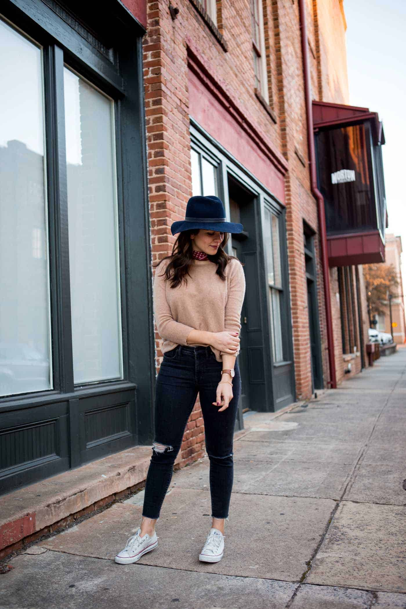 how to wear a bandana, casual spring outfit, navy wide brim fedora - My Style Vita