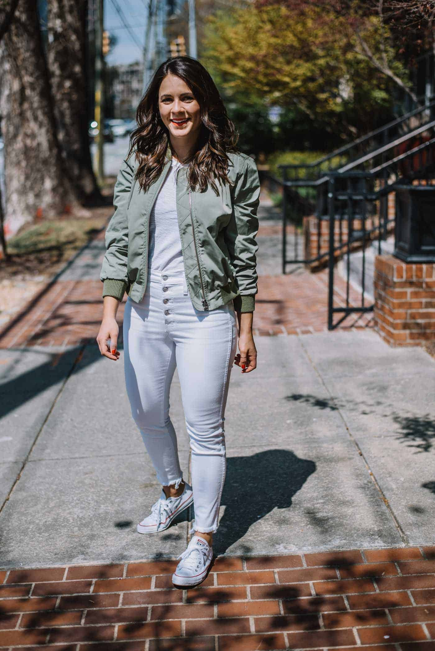 bomber jacket for spring, white jeans and converse, how to style a bomber jacket - My Style Vita