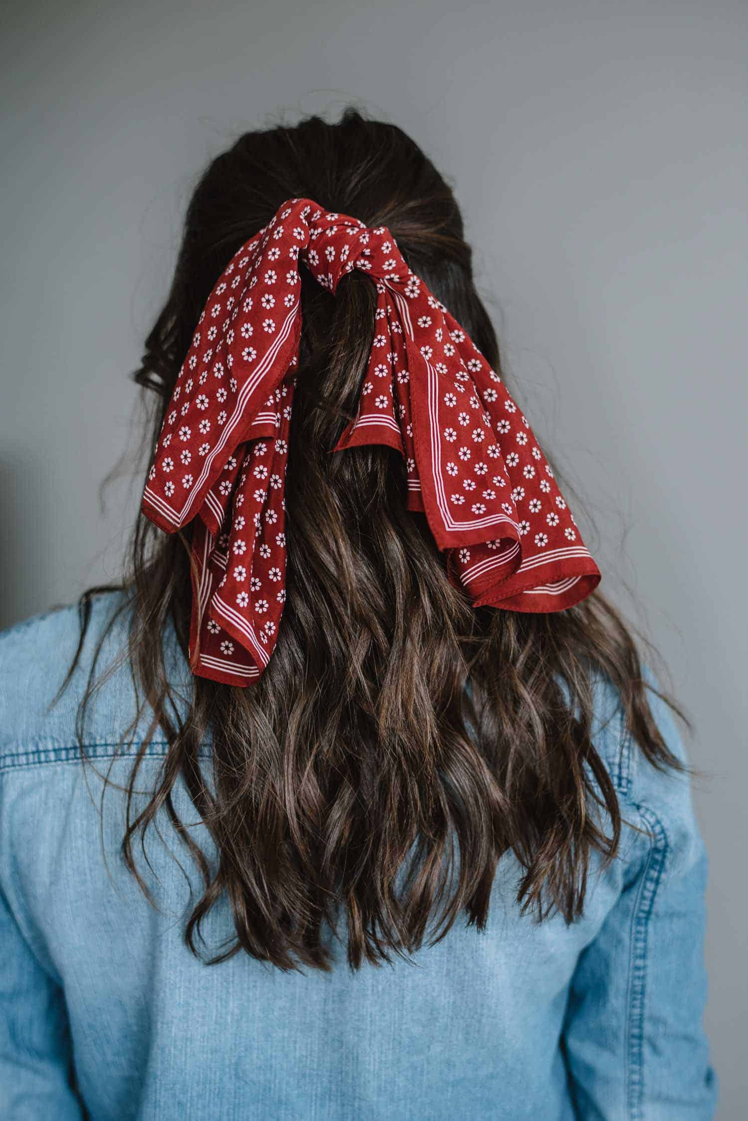 How To Wear A Bandana In Your Hair - The Half Ponytail