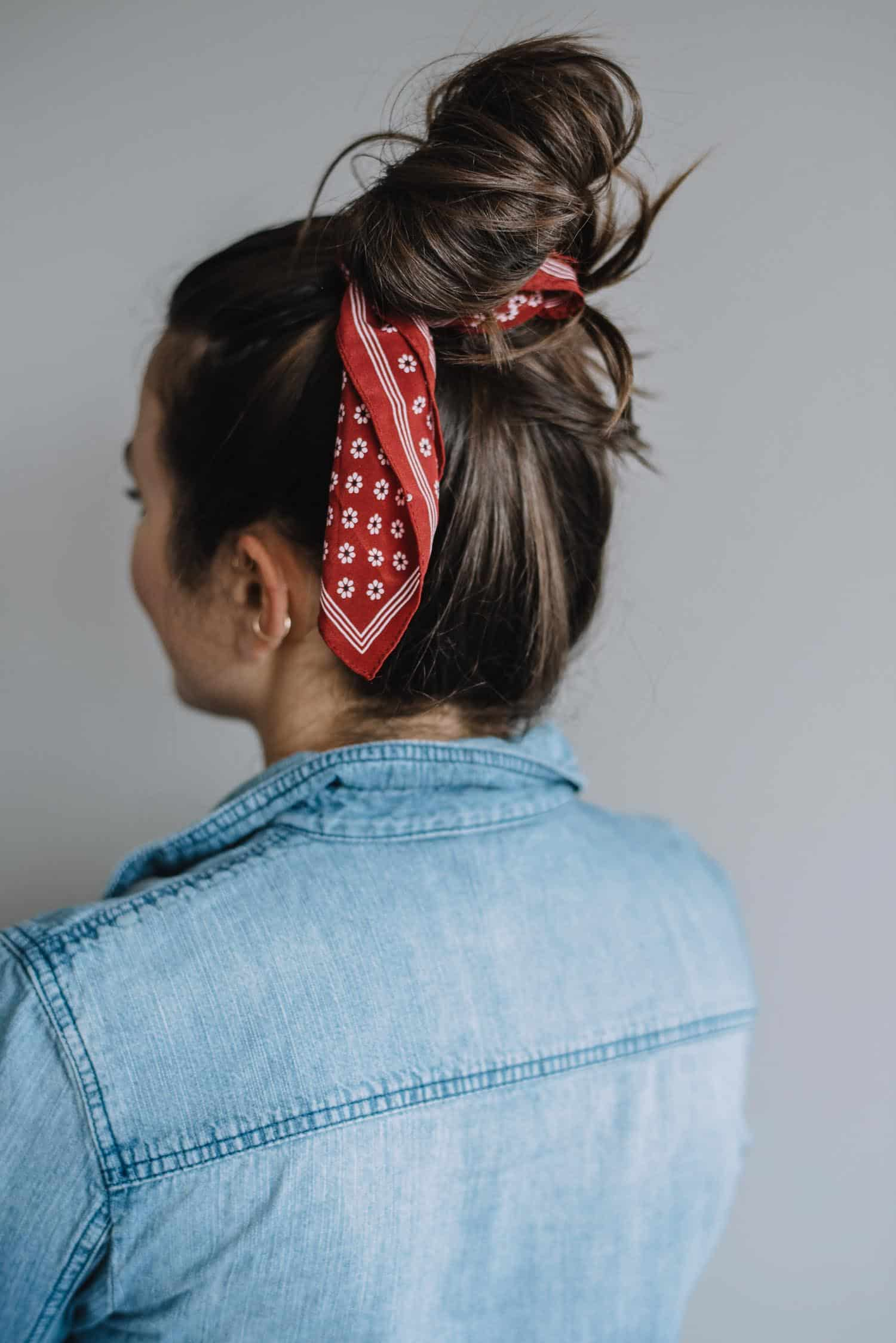 How To Wear A Bandana In Your Hair - The Messy Top Knot