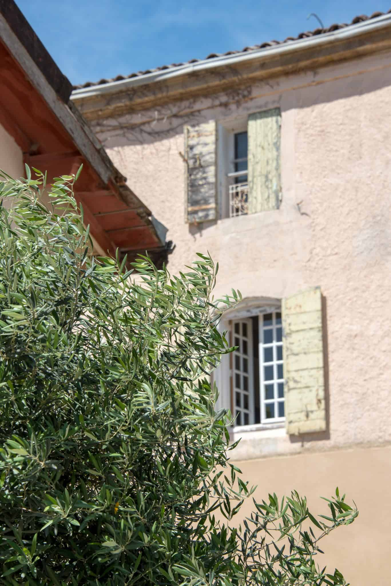 things to do in the South of France, provence architecture, provence - My Style Vita