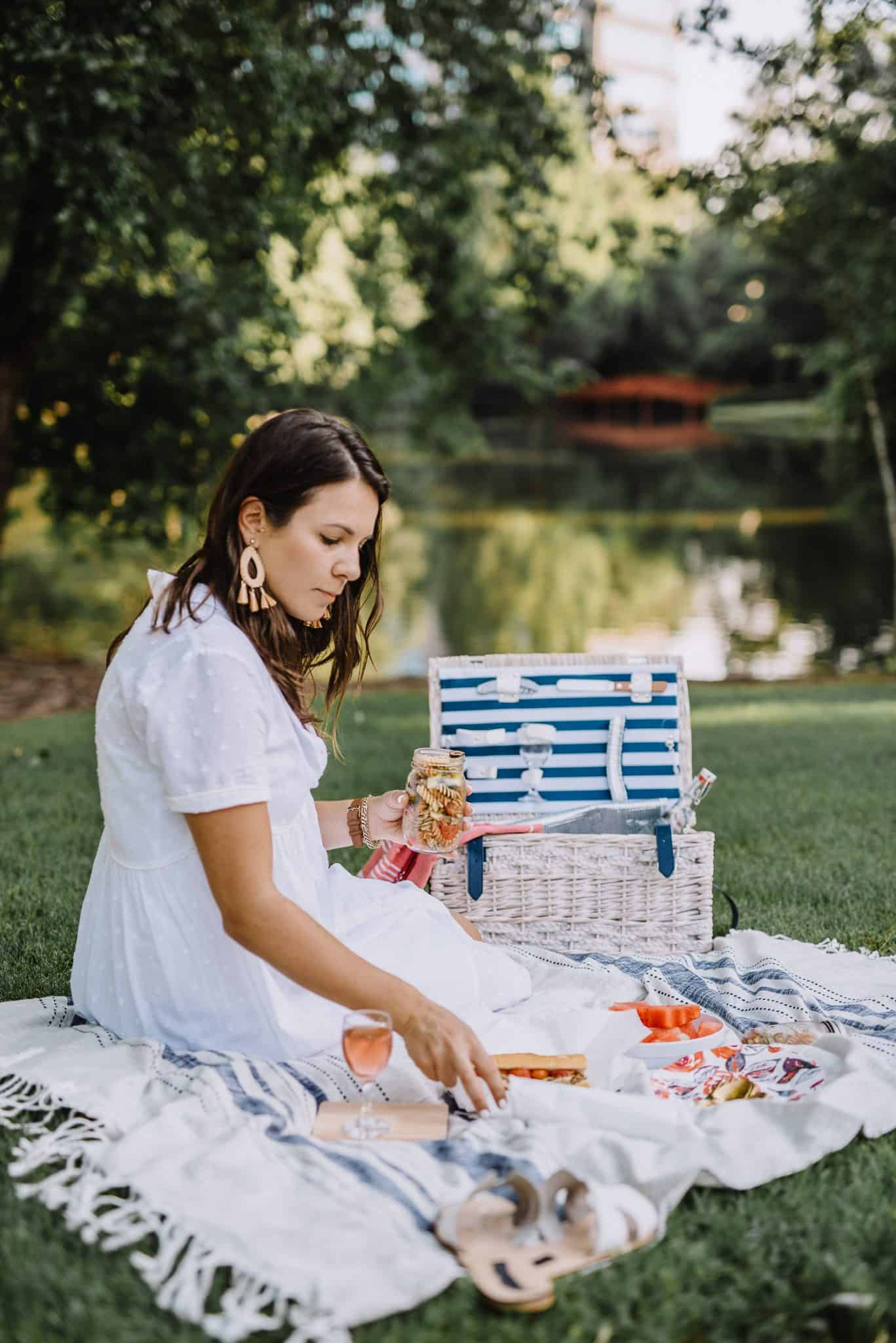 How To Have A Perfect Summertime Picnic