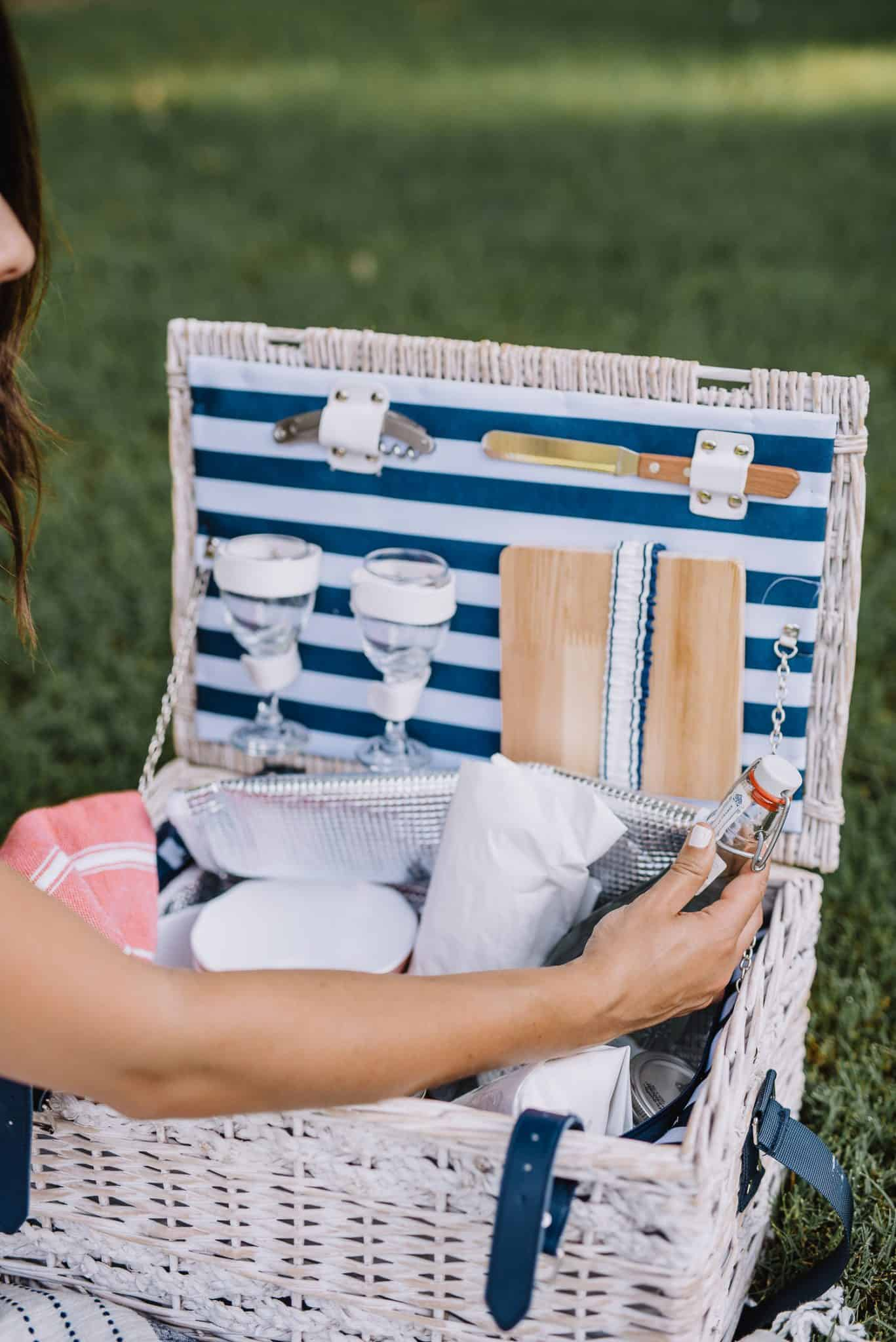 summer picnic ideas, white picnic basket, how to have a picnic - My Style Vita