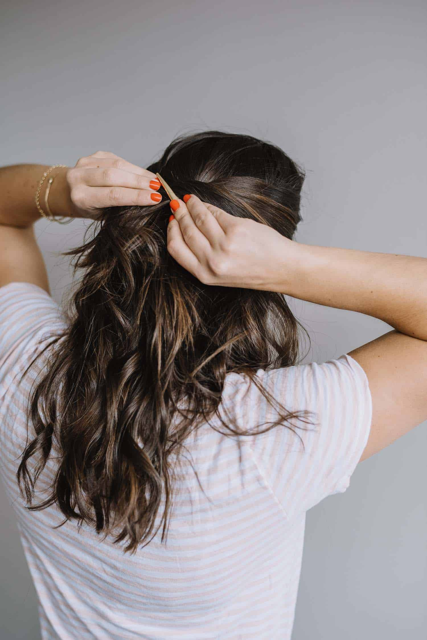 easy half up hair tutorial, balayage, gold hair clip - My Style Vita