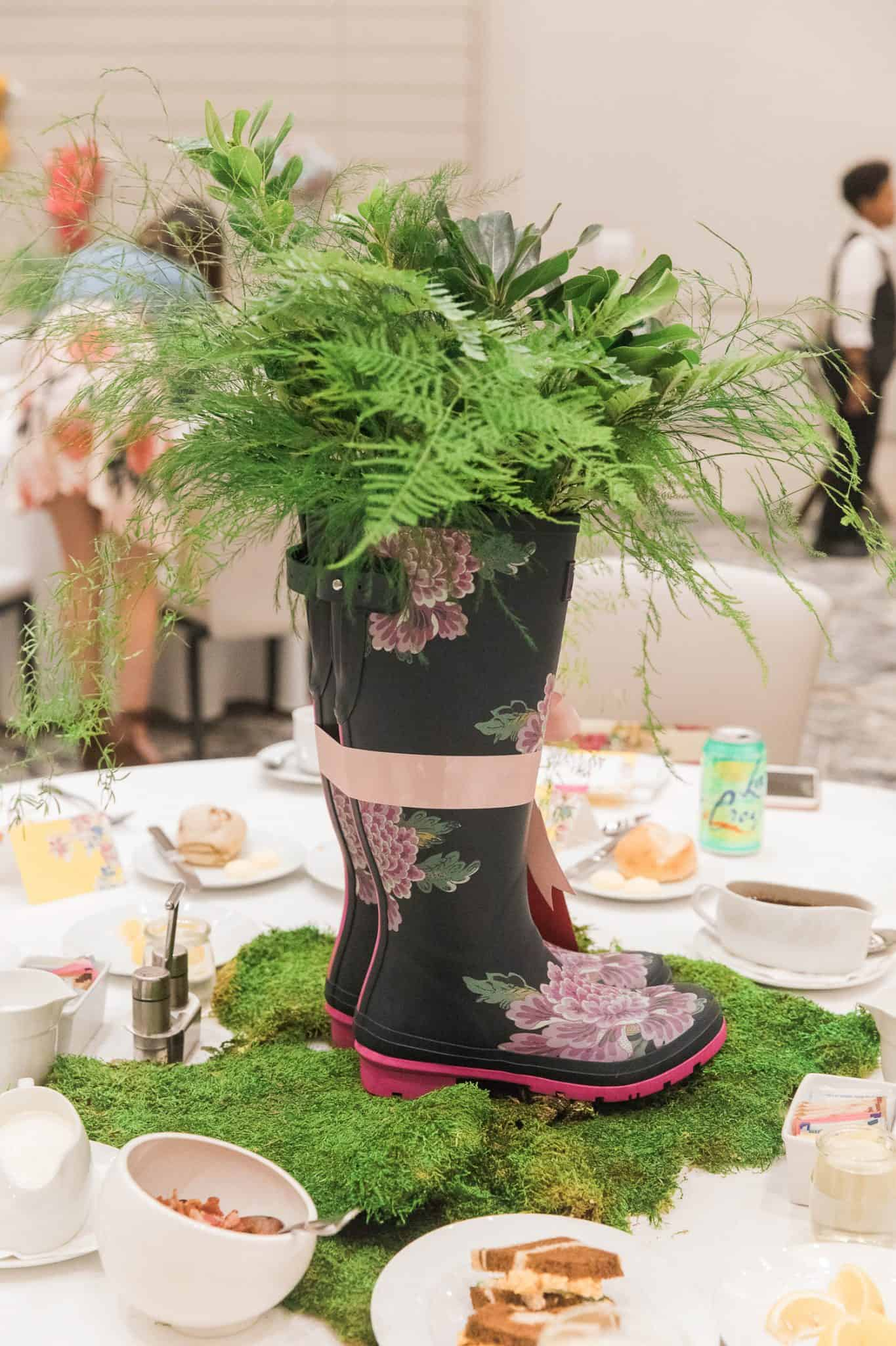 centerpiece ideas, rainboot centerpiece - My Style Vita