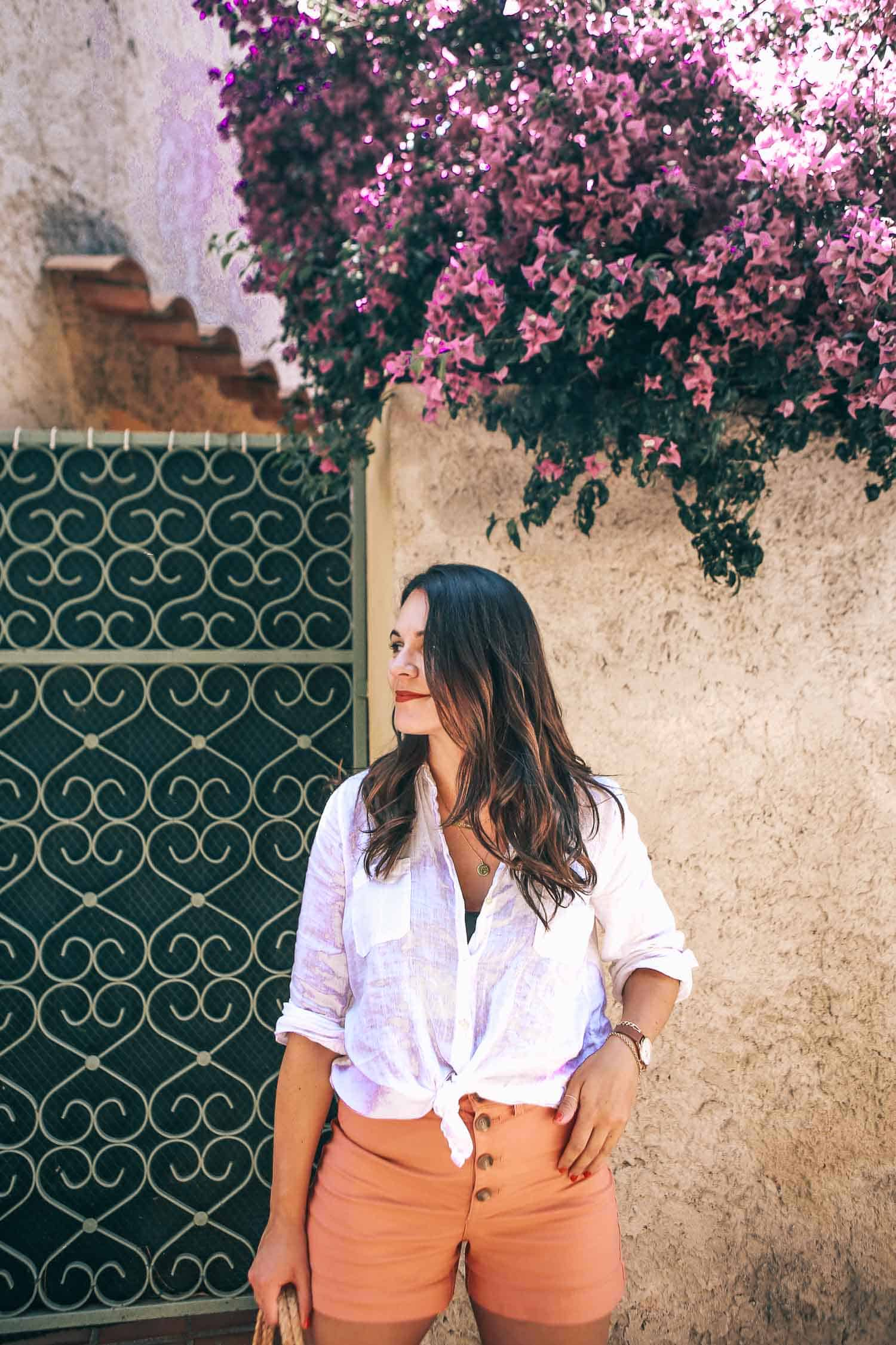white linen shirt for summer travel outfits