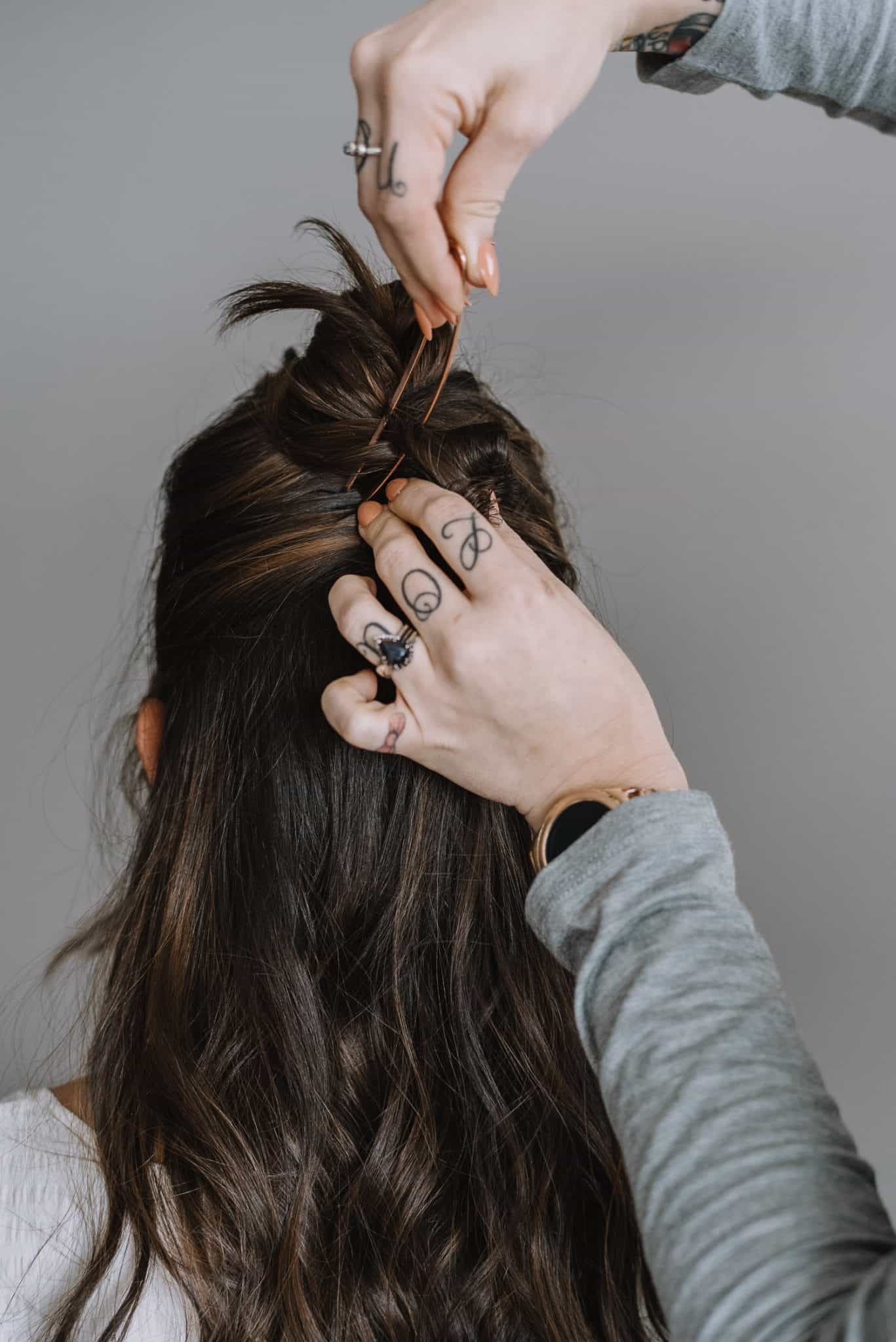 how to use a hair pin, hair pin half up style - My Style Vita