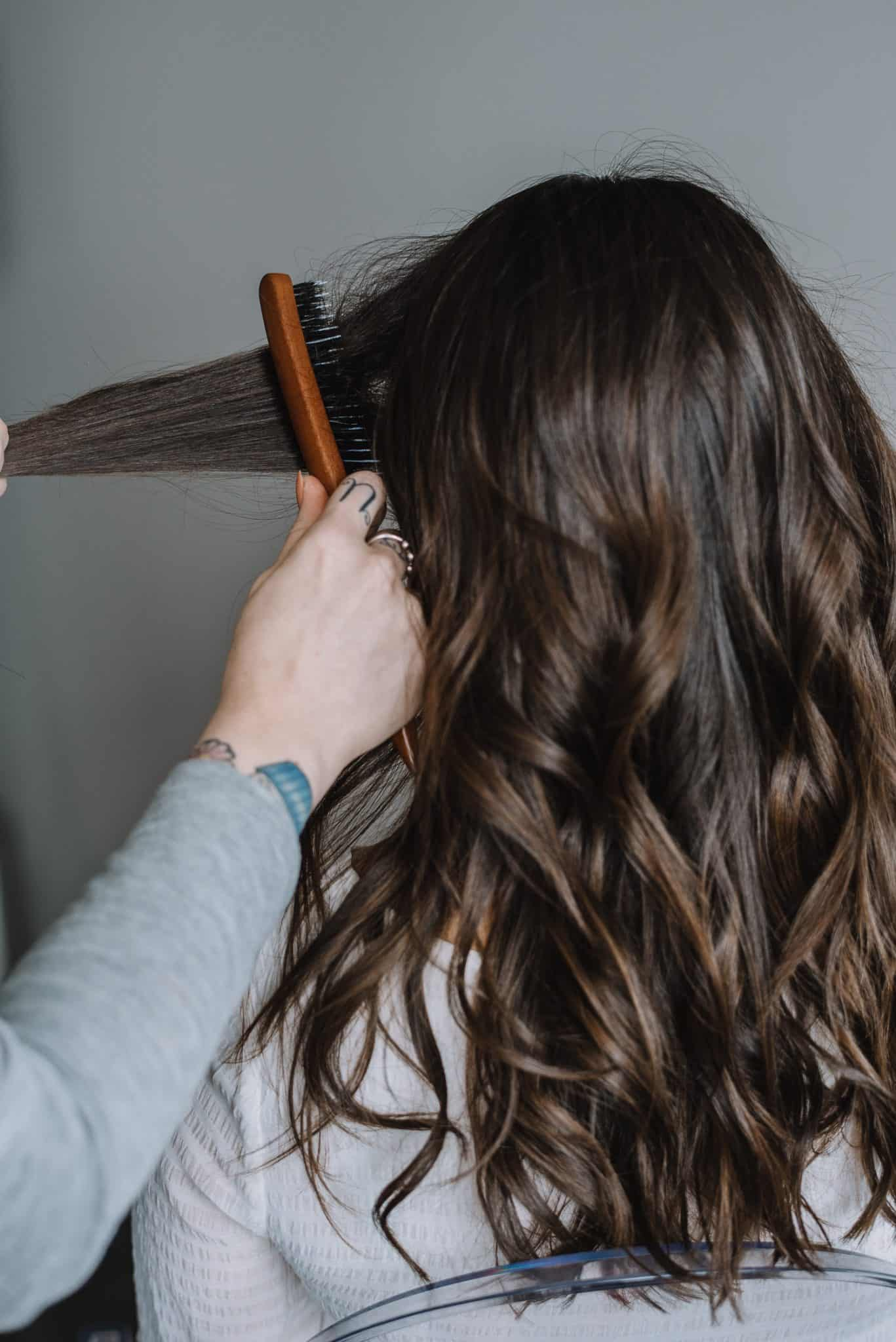 how to tease your hair, kristin ess hair pin tutorial, how to use a hair pin