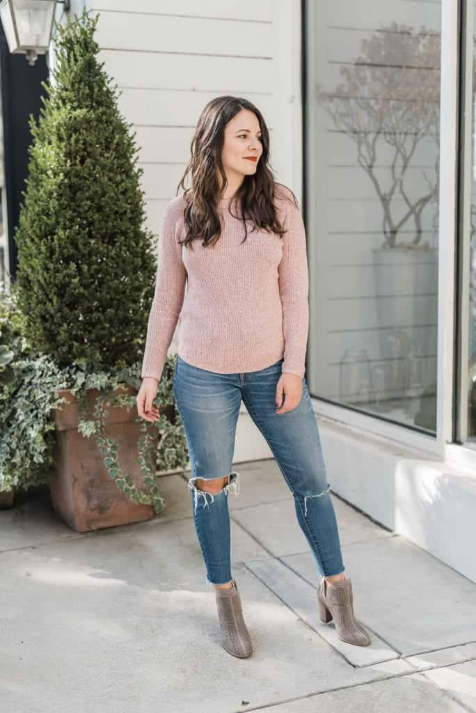 pink sweater with jeans for fall