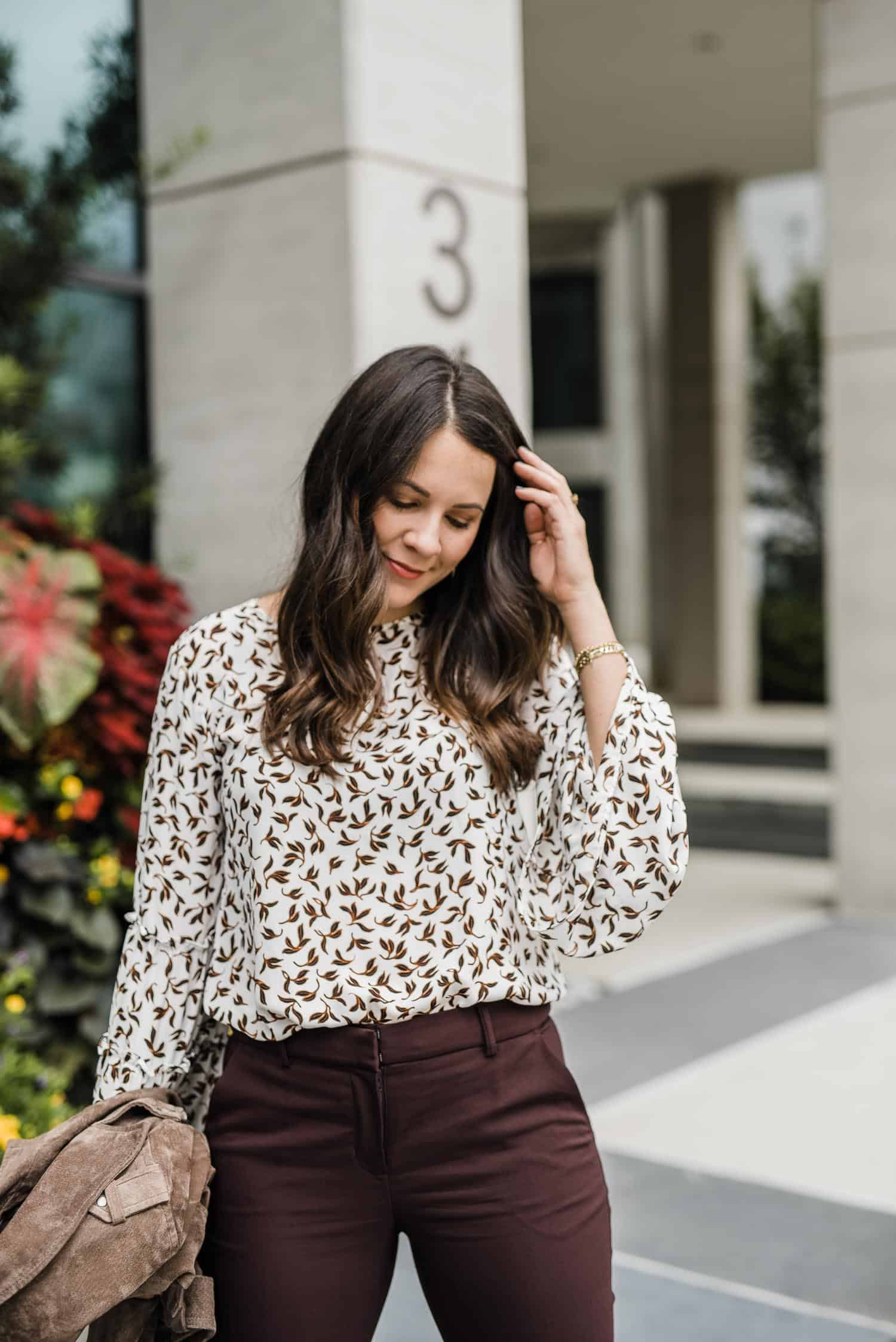 casual work outfit for fall, printed bell sleeve top - My Style Vita