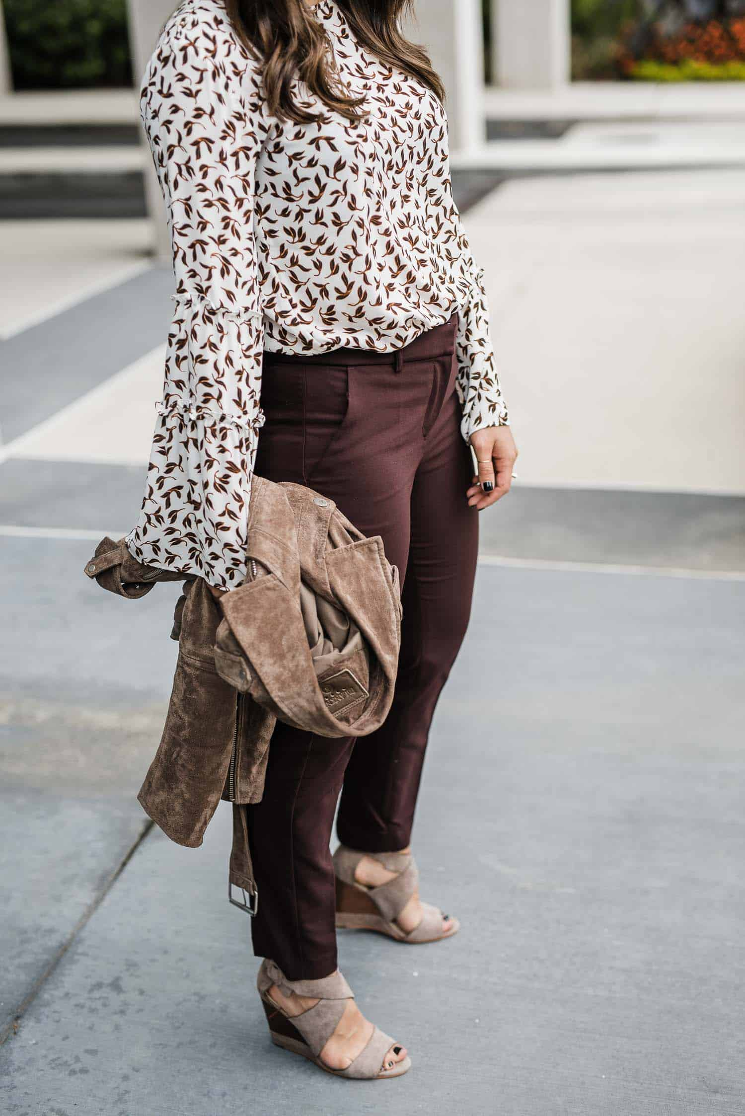 how to style work pants for fall, burgundy work pants, casual office outfit. Casual Work Outfit Ideas