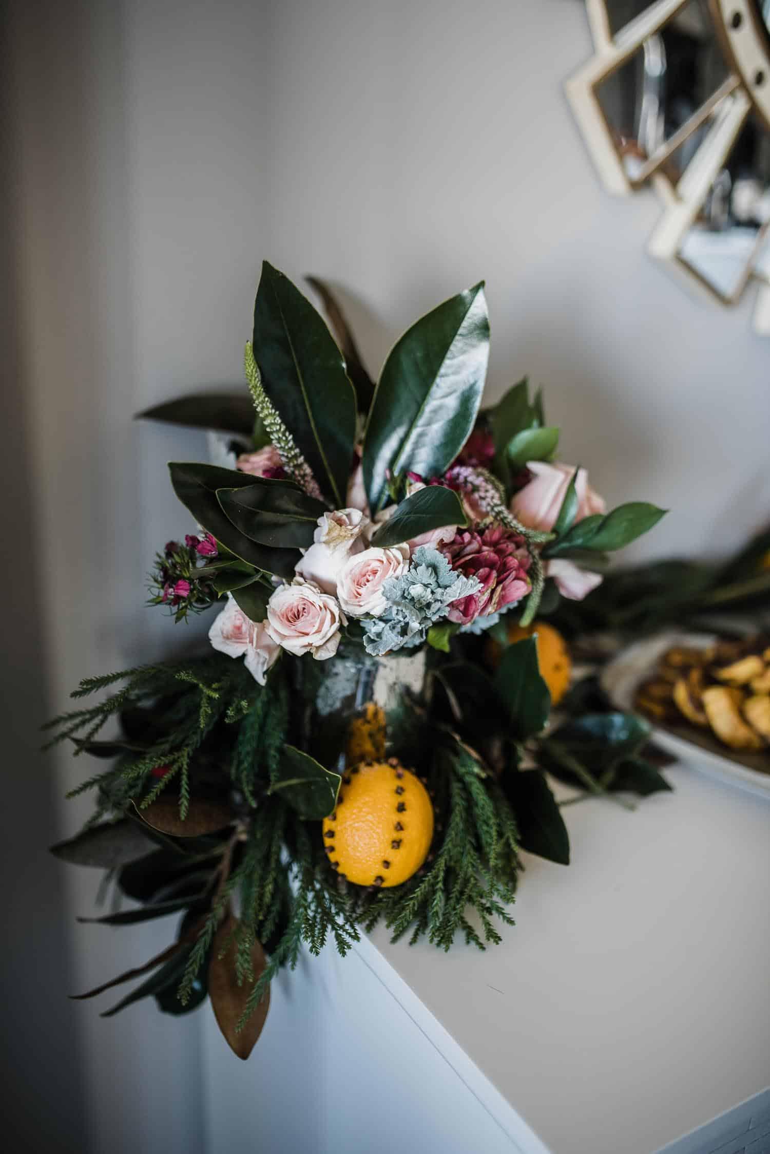 fall florals, orange pomander, thanksgiving table ideas