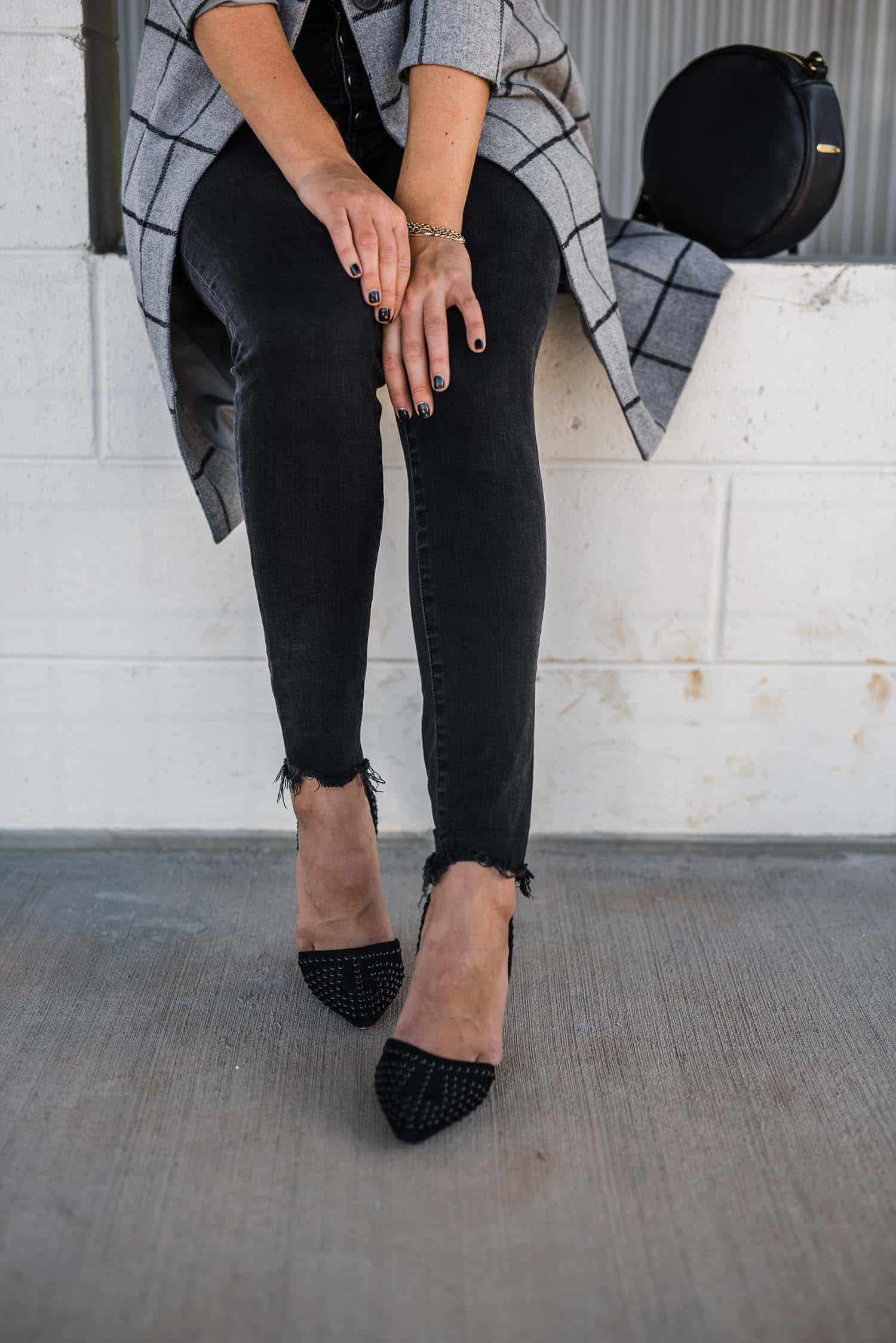 black jeans and black pumps, fall outfit ideas, topcoat - My Style Vita