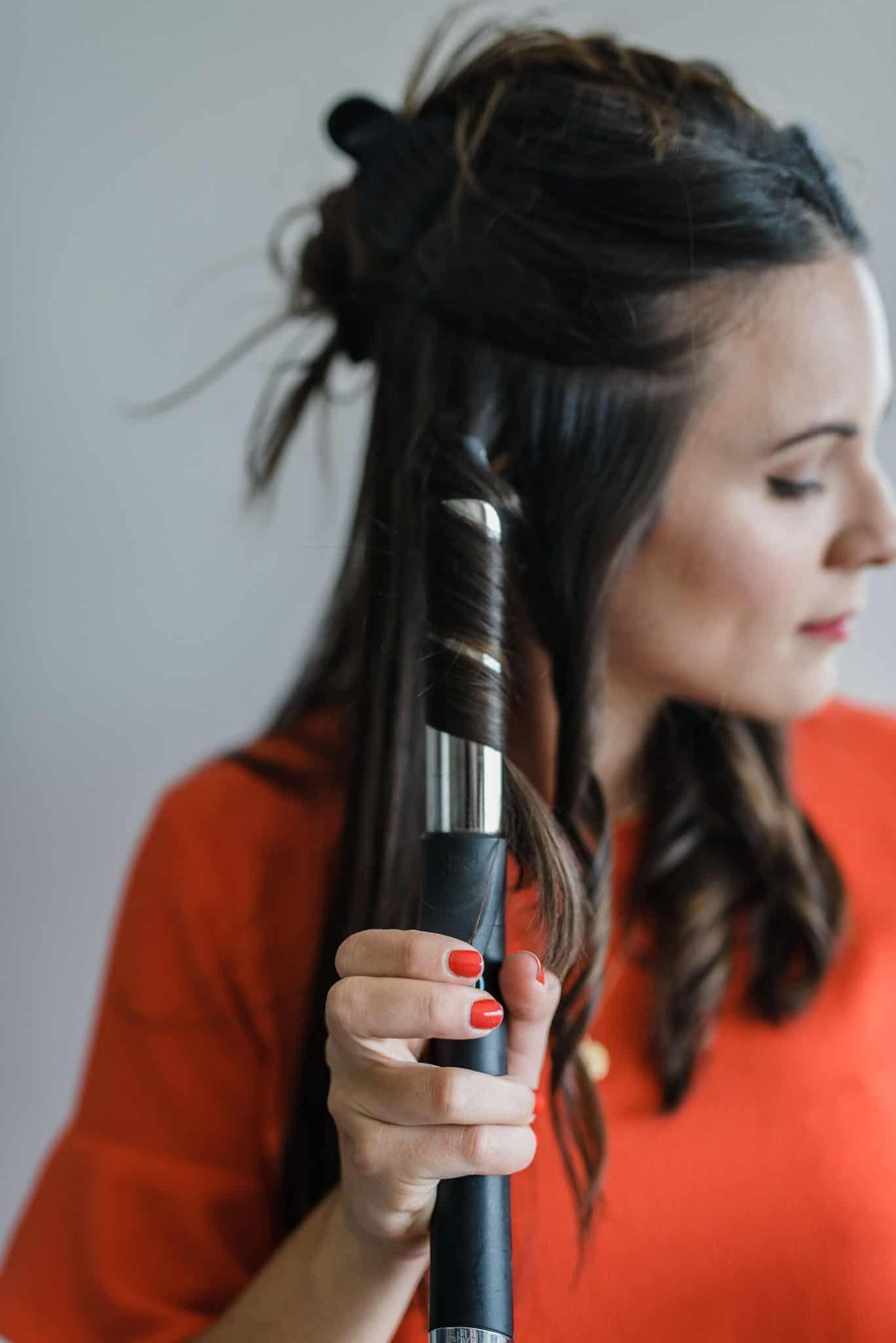 Here's How To Get Effortless Beachy Waves With Your Curling Iron