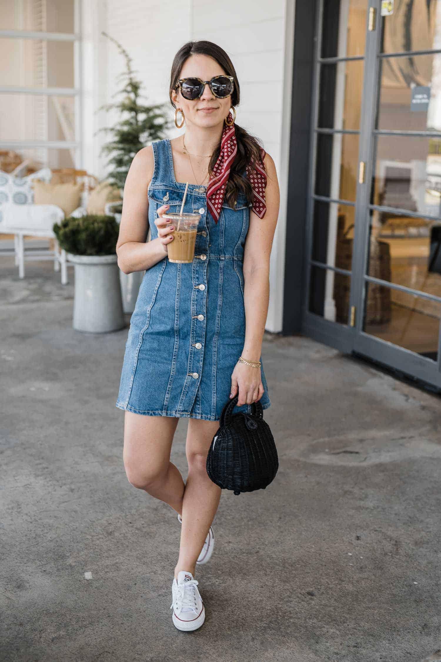 Denim dress outfit ideas for spring by Jessica Camerata