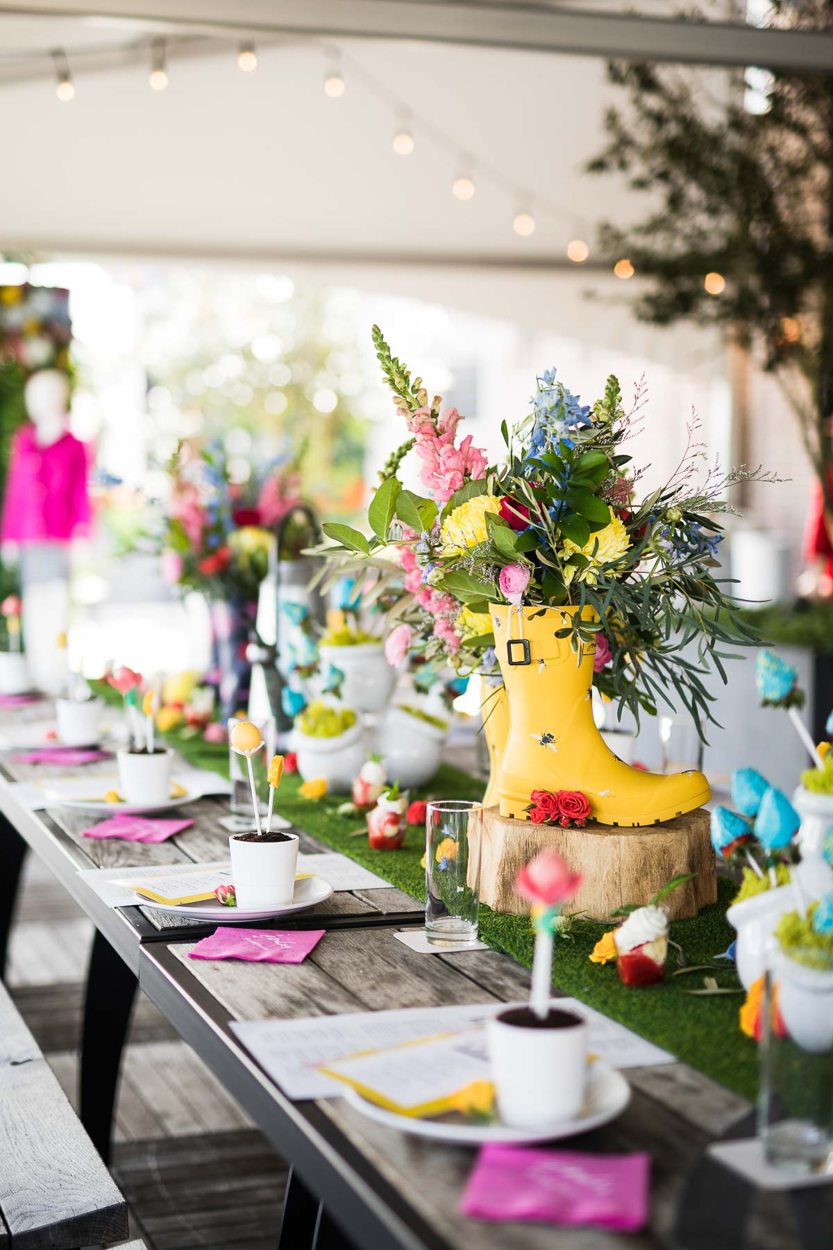 Spring Tablescape Idea With Colorful Rainboots and Flowers