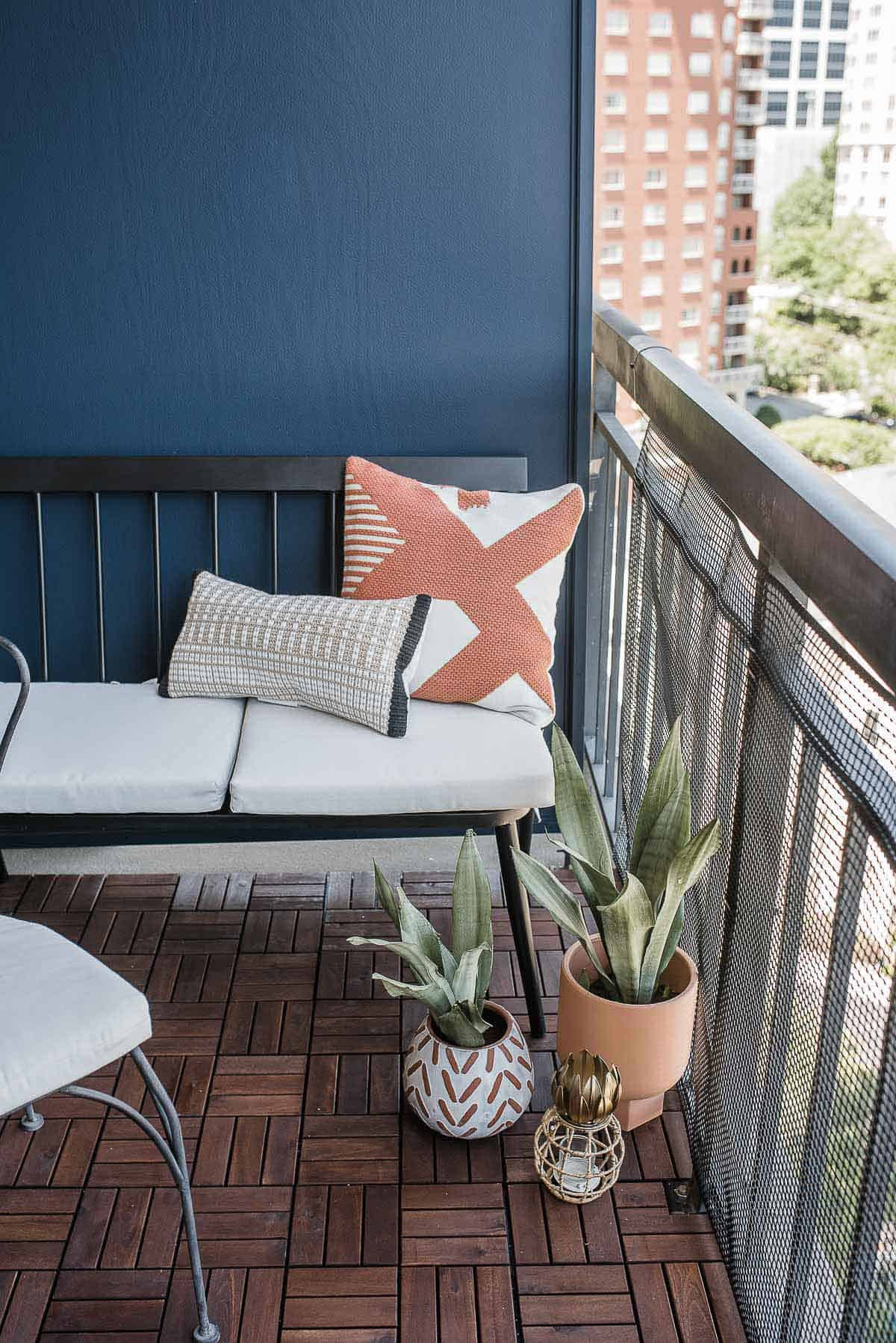 Patio ideas for small spaces, snake plants