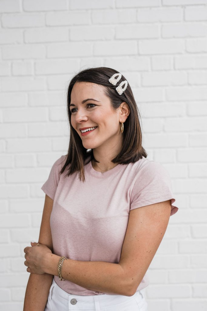 How To Wear A Trendy Hair Clip