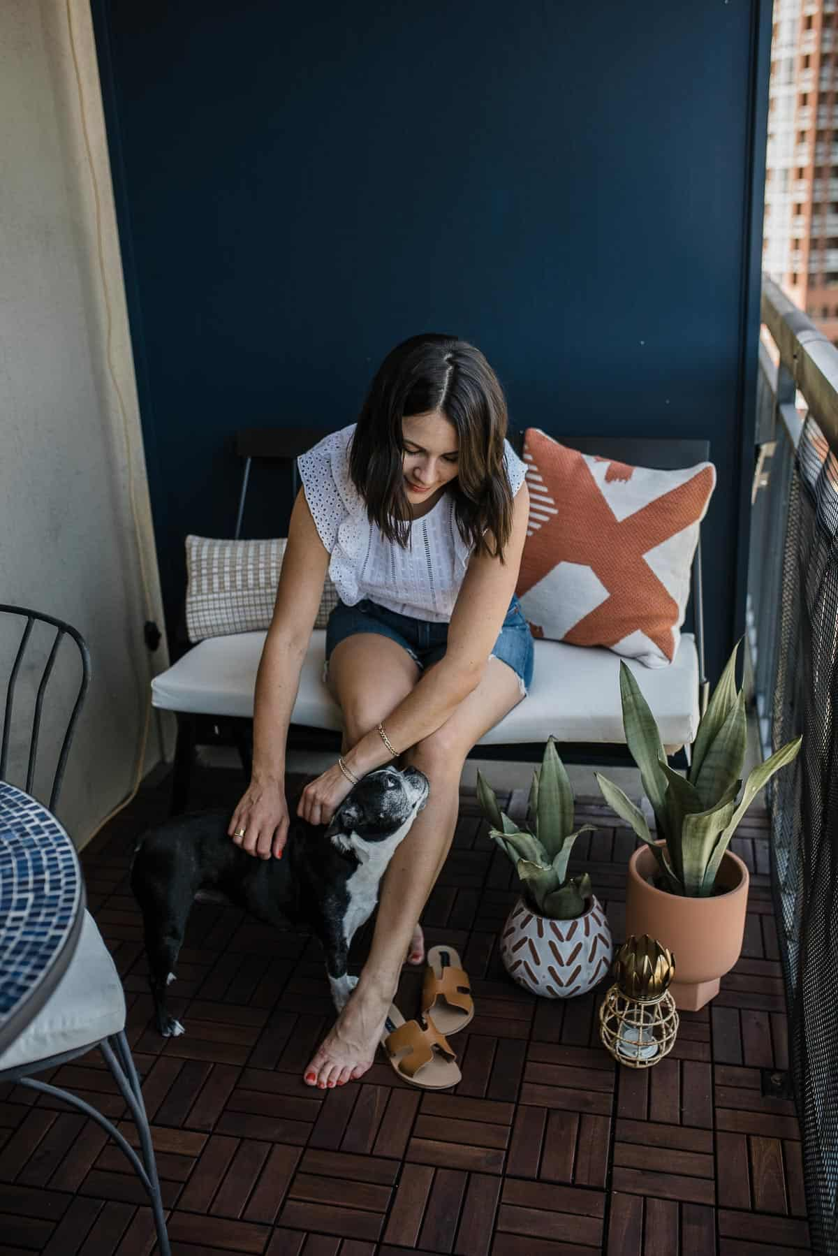 hanging out on patio, patio decorating ideas