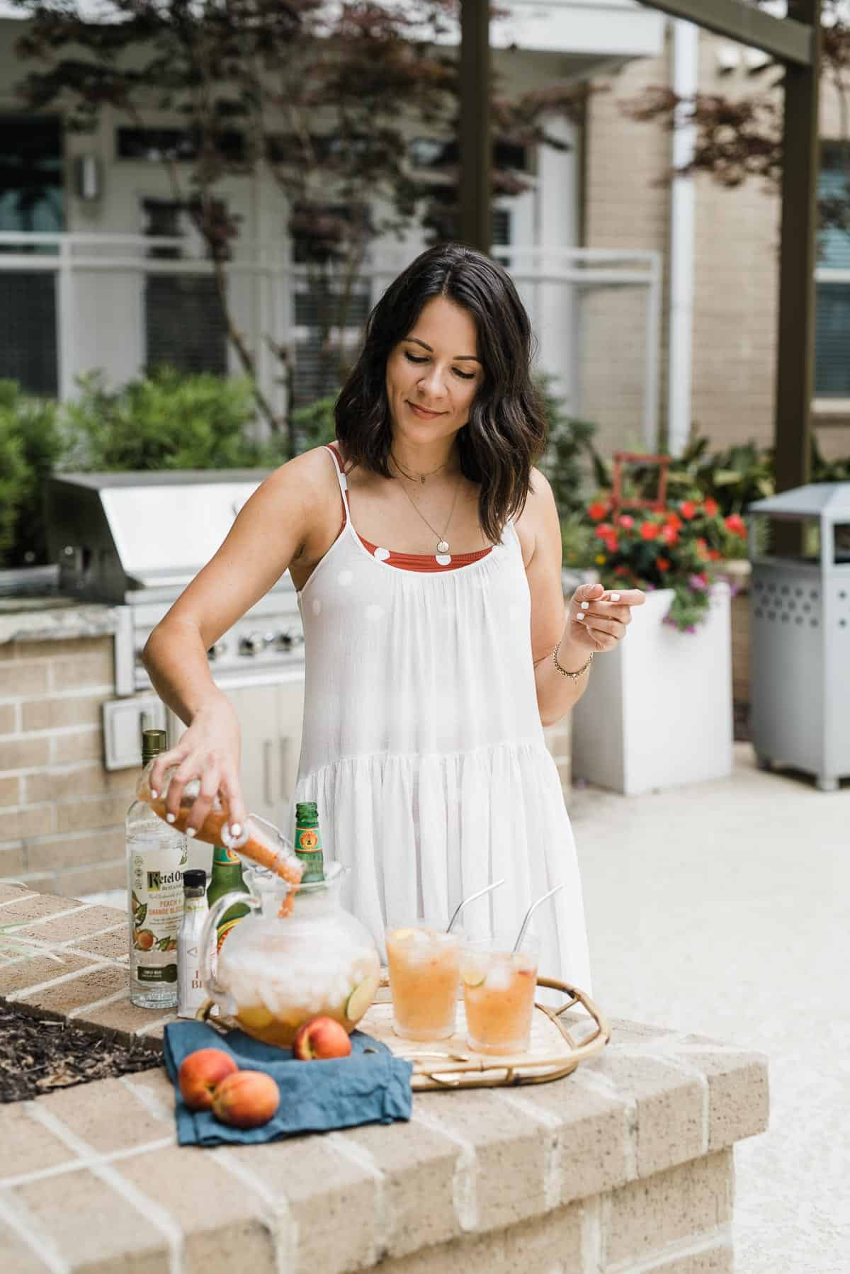 Jessica Camerata is sharing a Peach Moscow Mule Recipe