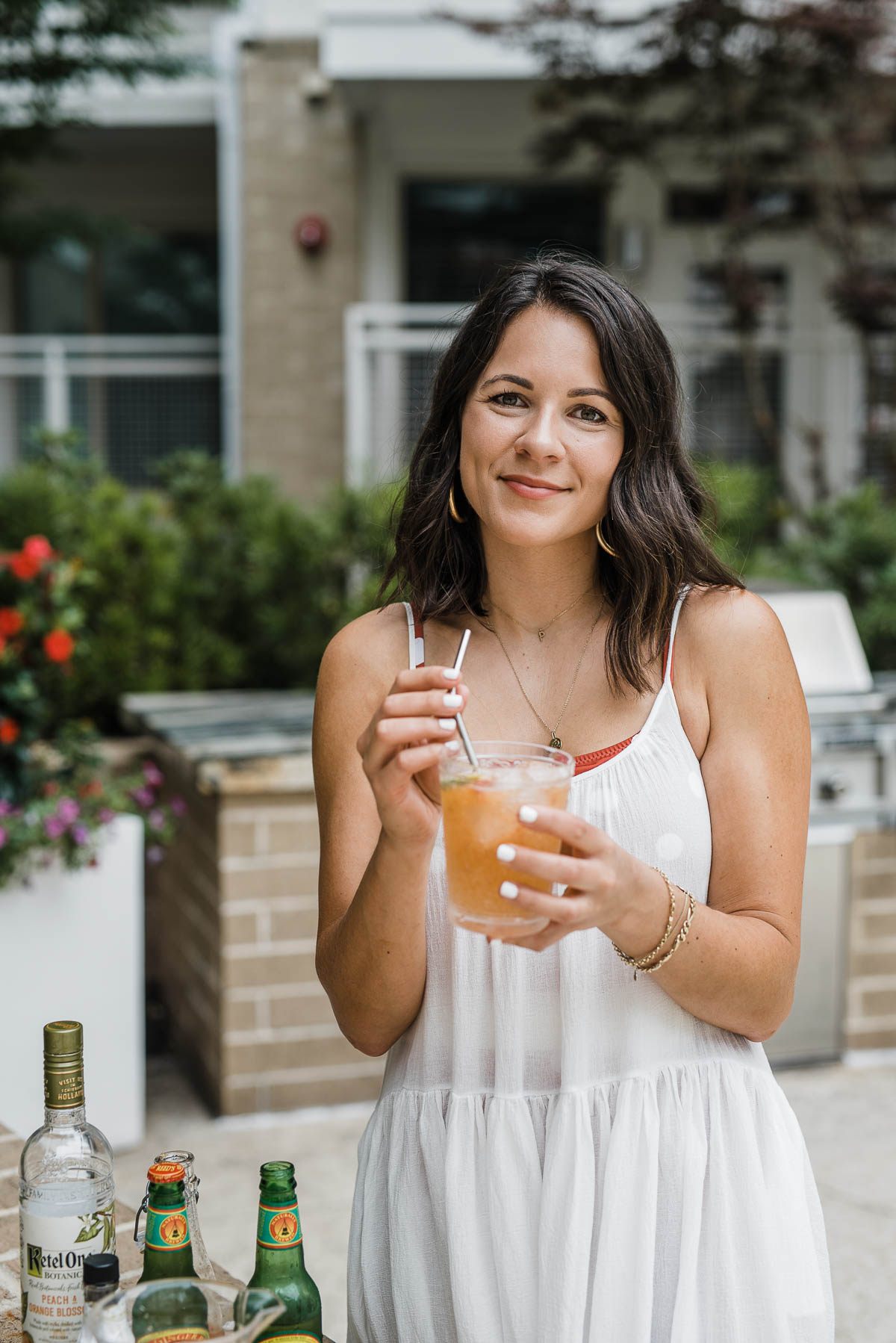 Jessica Camerata is sharing a Peach Moscow Mule Recipe | My Style Vita