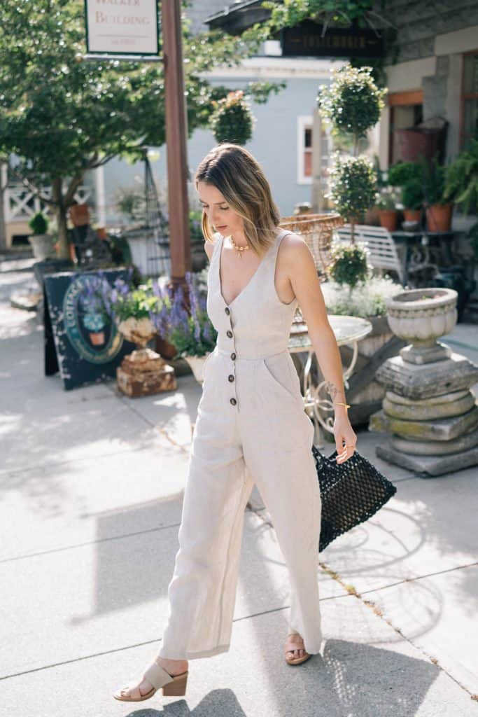a linen jumpsuit to stay cool on labor day