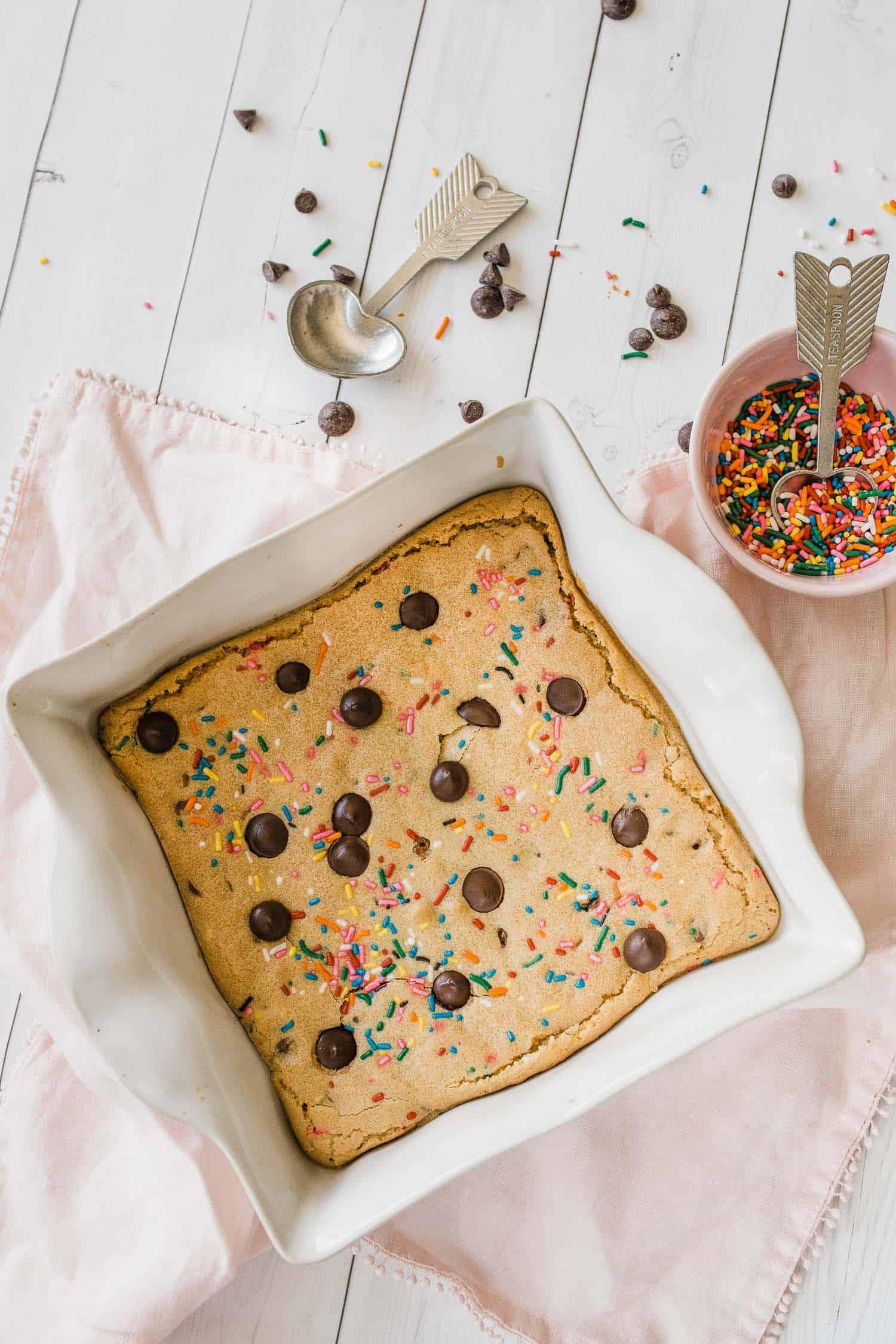 chocolate chip blondies recipe with sprinkles