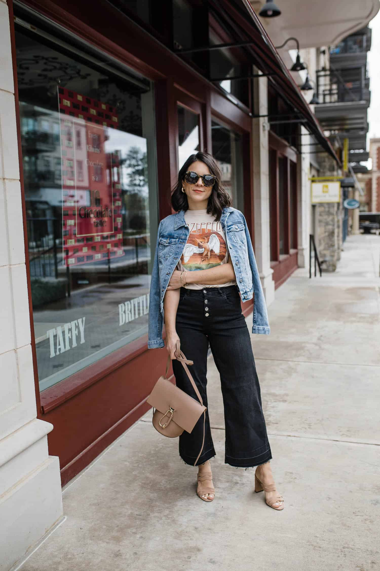 black wide leg crop jeans for summer outfit