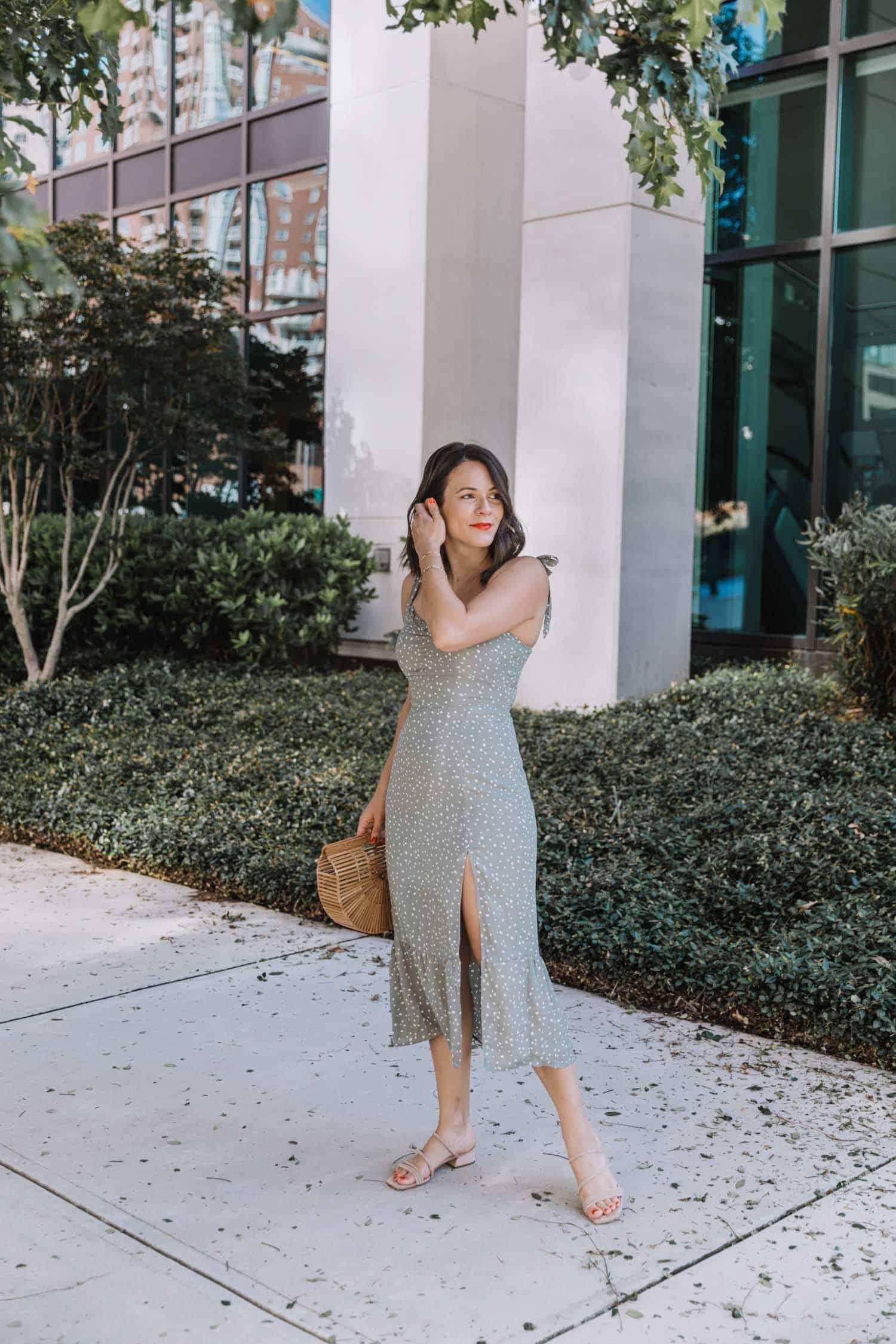 Jessica wears Abercrombie midi dress