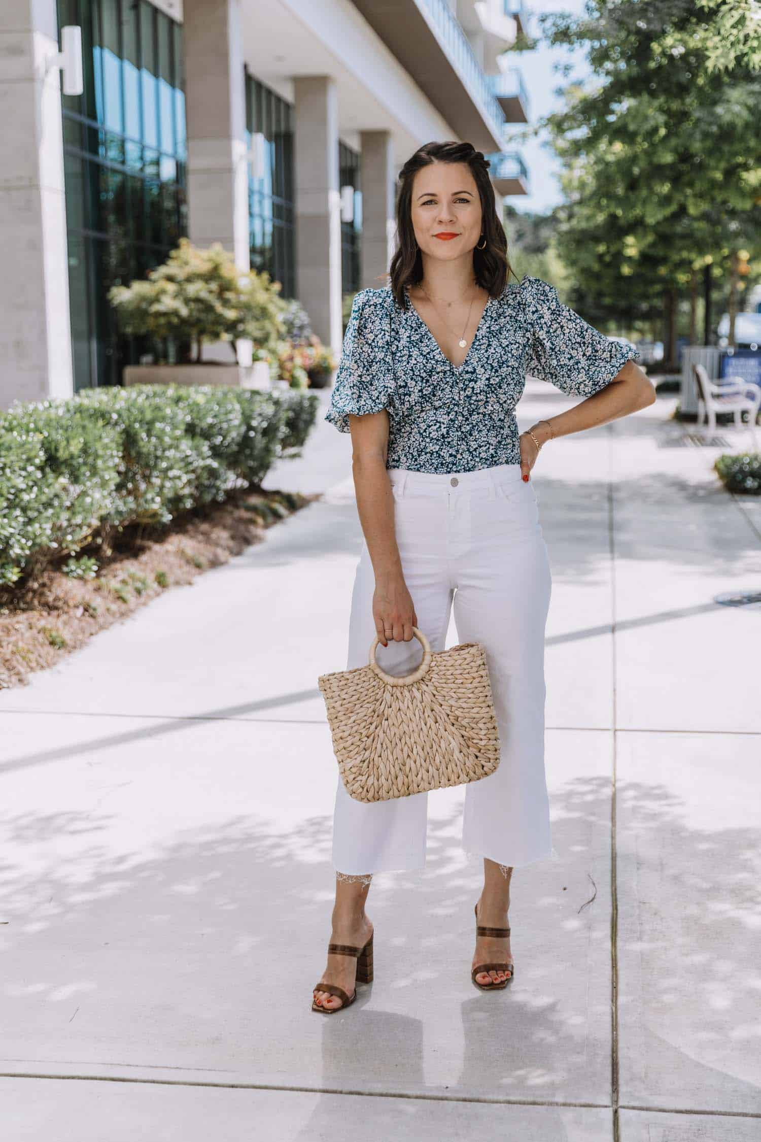 blue floral blouse and white jeans for summer