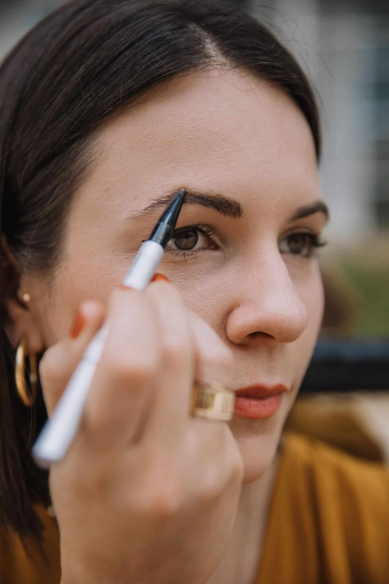 how to use the it cosmetics brow power pencil