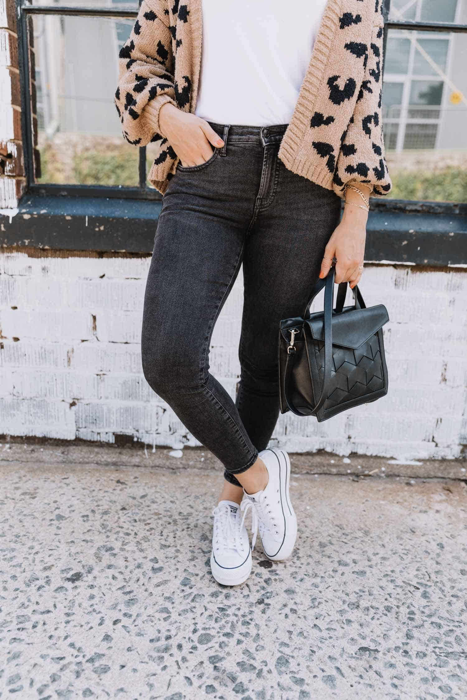 black everlane curvy jeans and platform converse