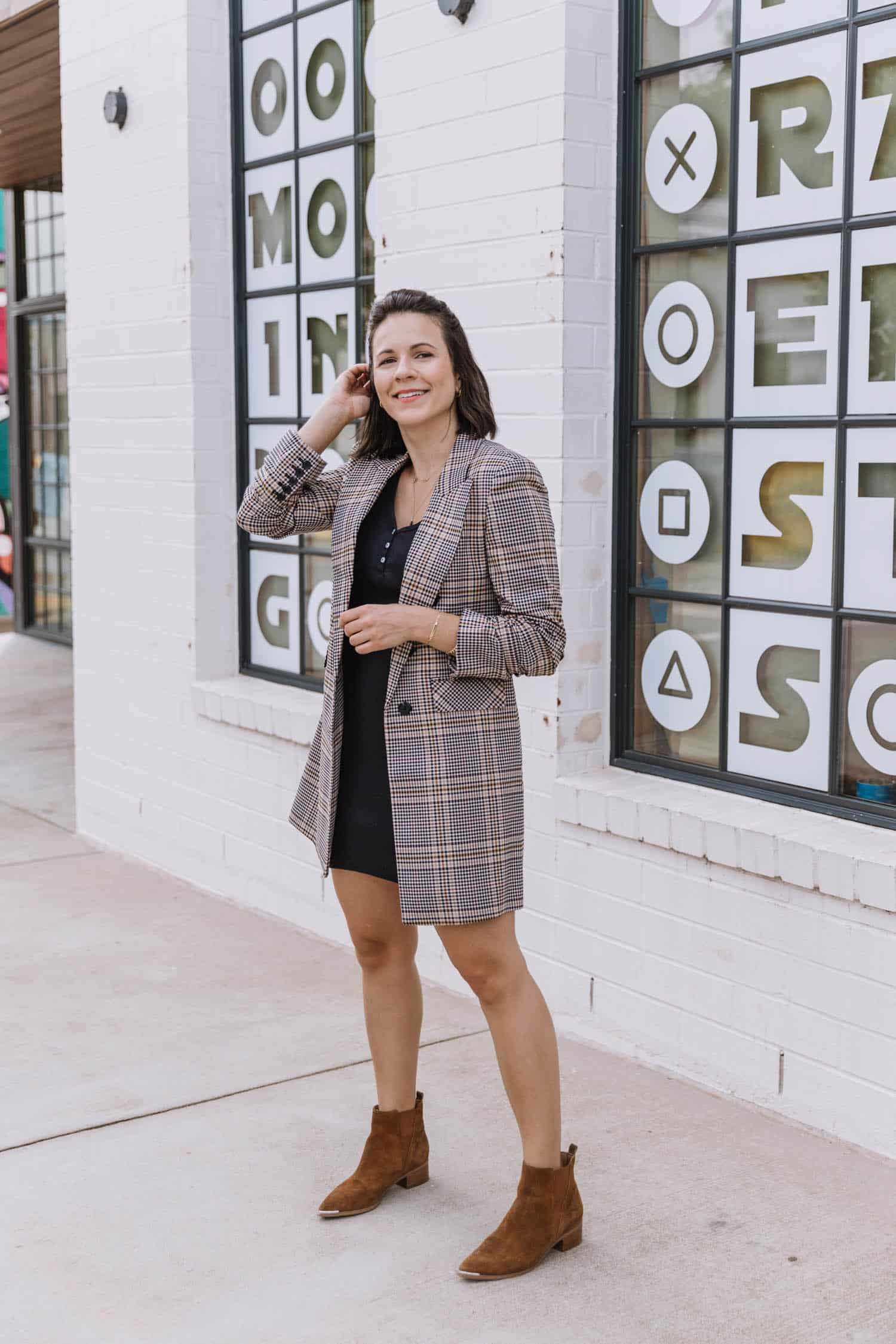 Two Ways To Style A Black T-Shirt Dress For Fall