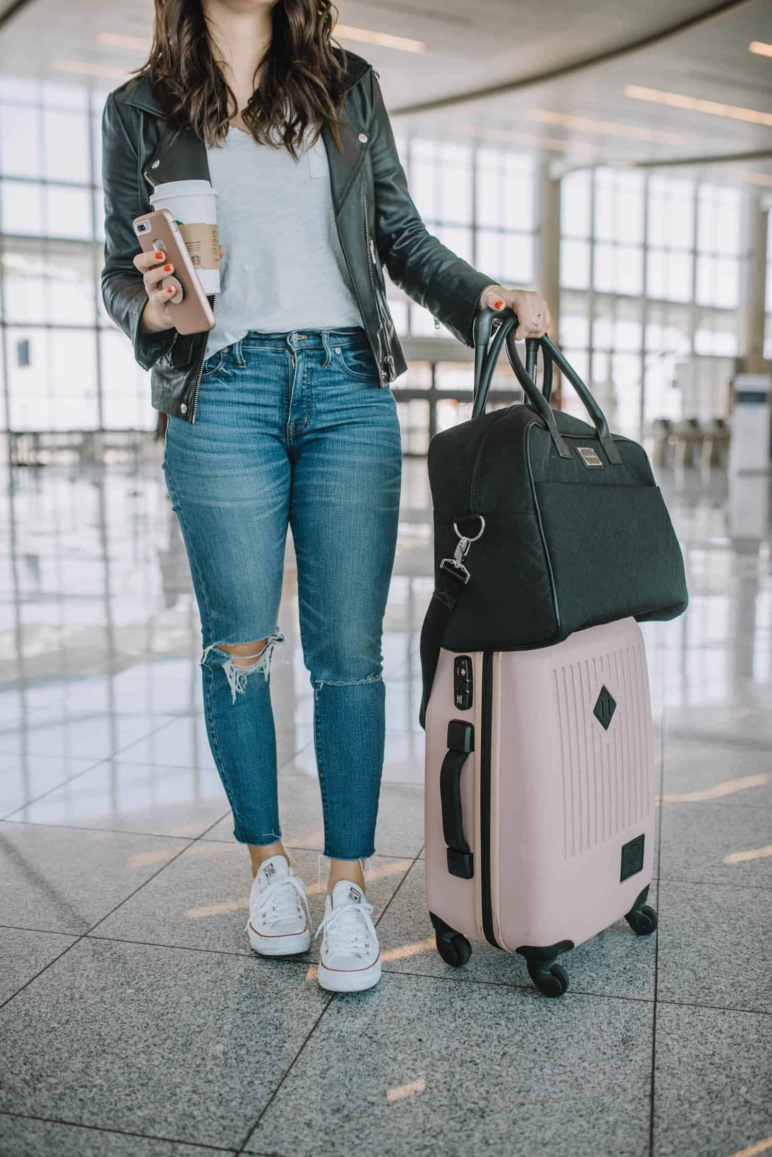 Comfortable Outfits To Wear On A Plane