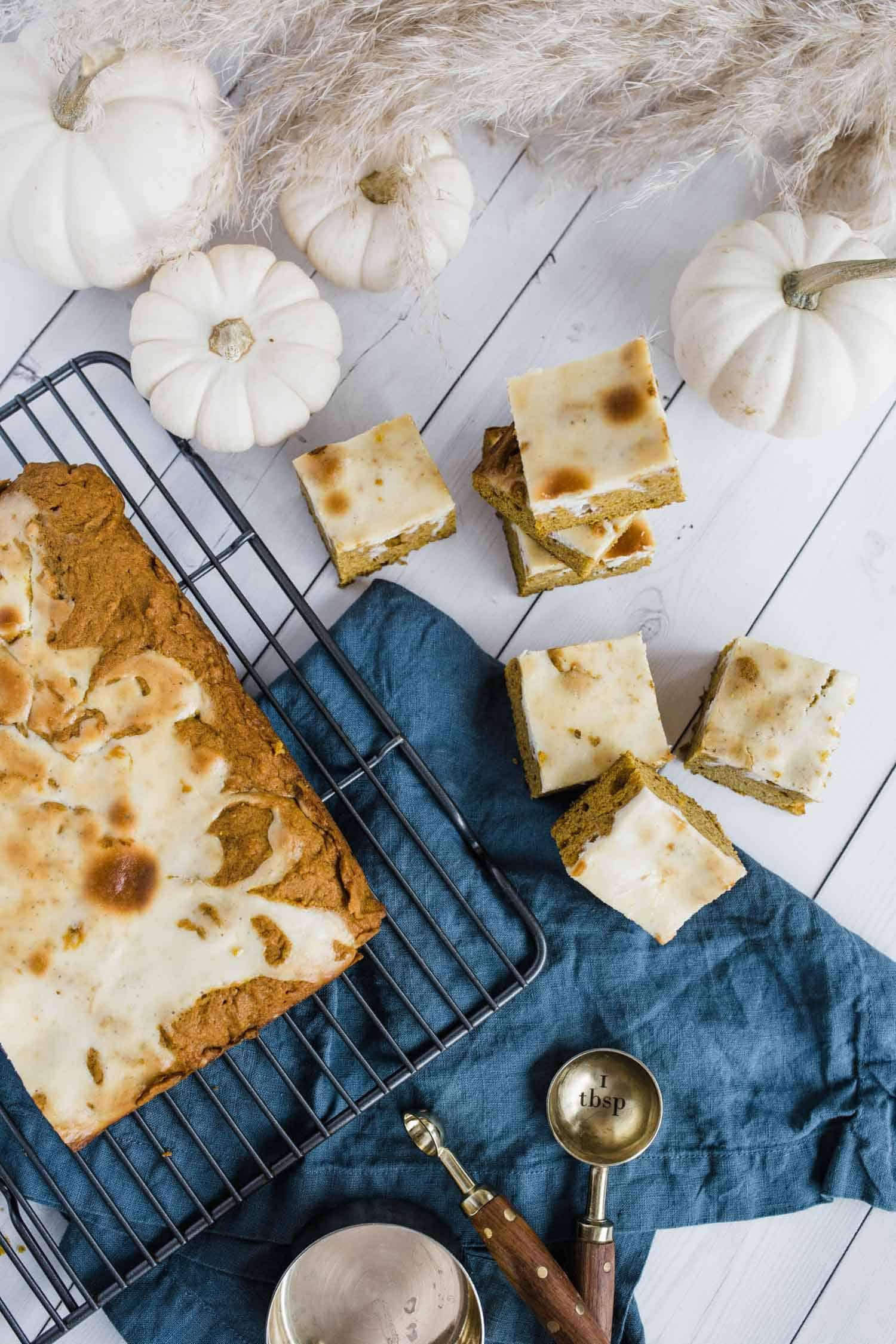 Pumpkin Cheesecake Swirl Bars