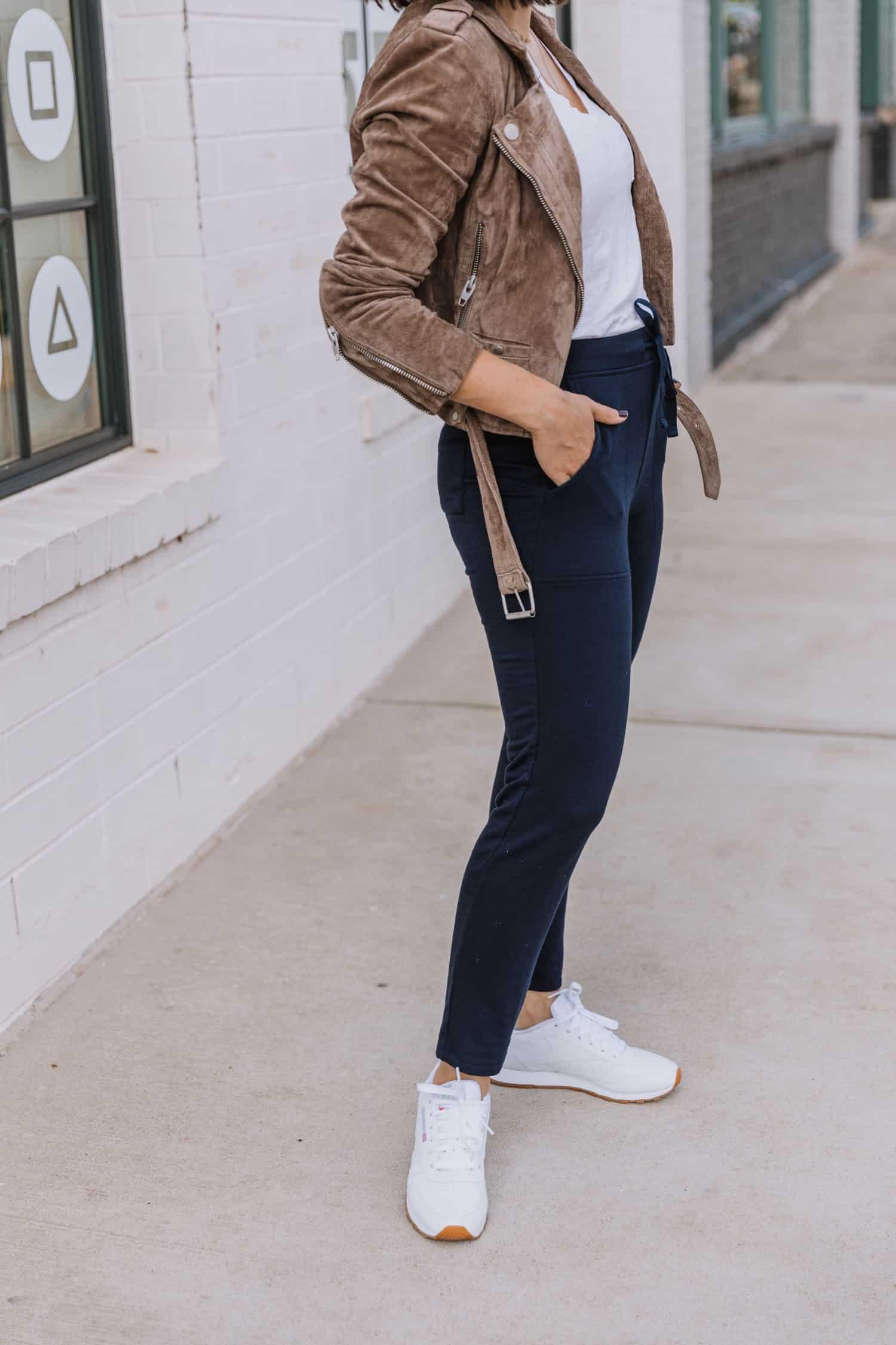 joggers outfit idea
