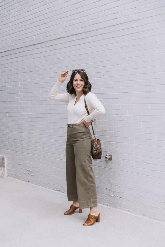 Casual Work Outfits With Wide Leg Crops