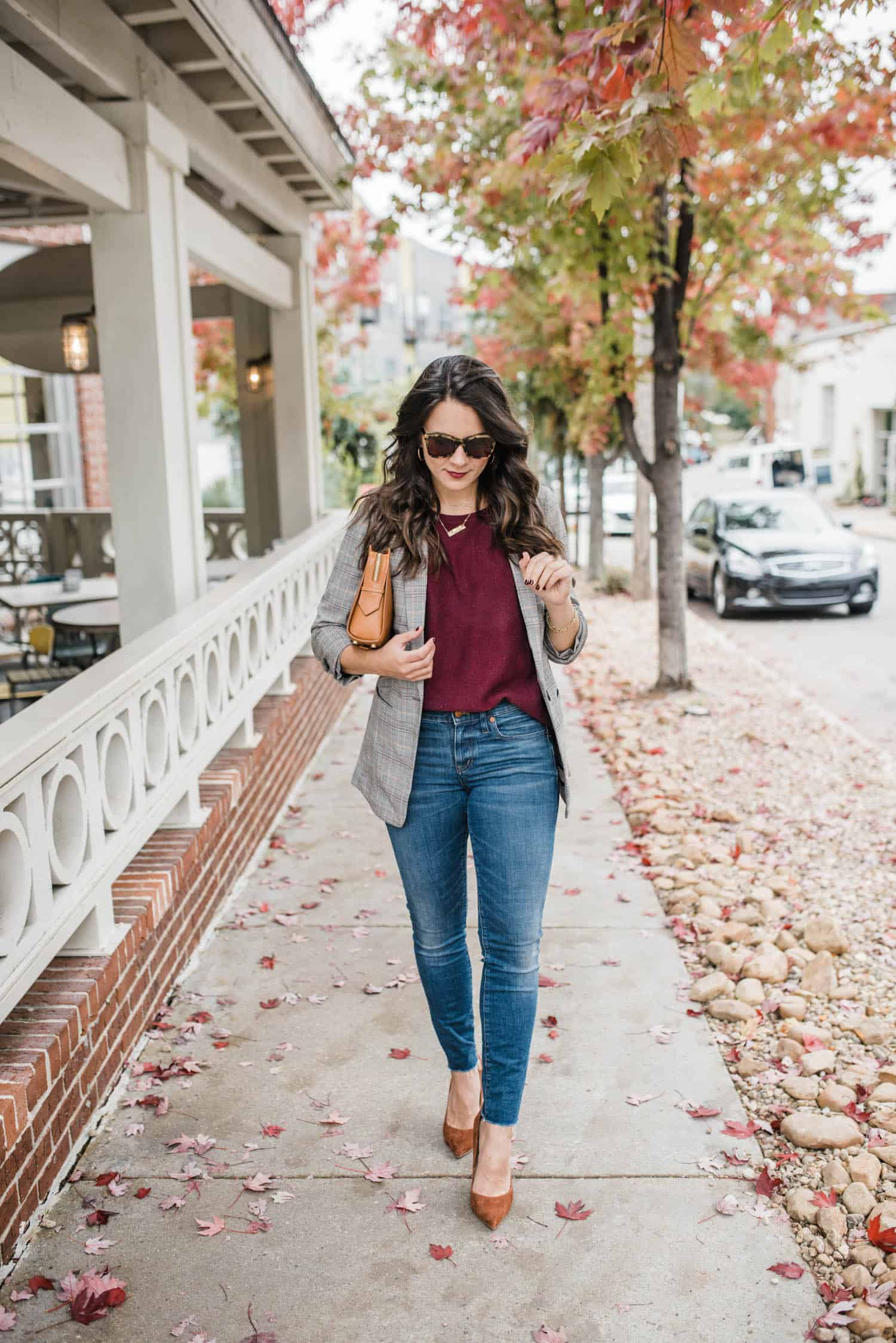 jeans with a blazer and suede heels for fall