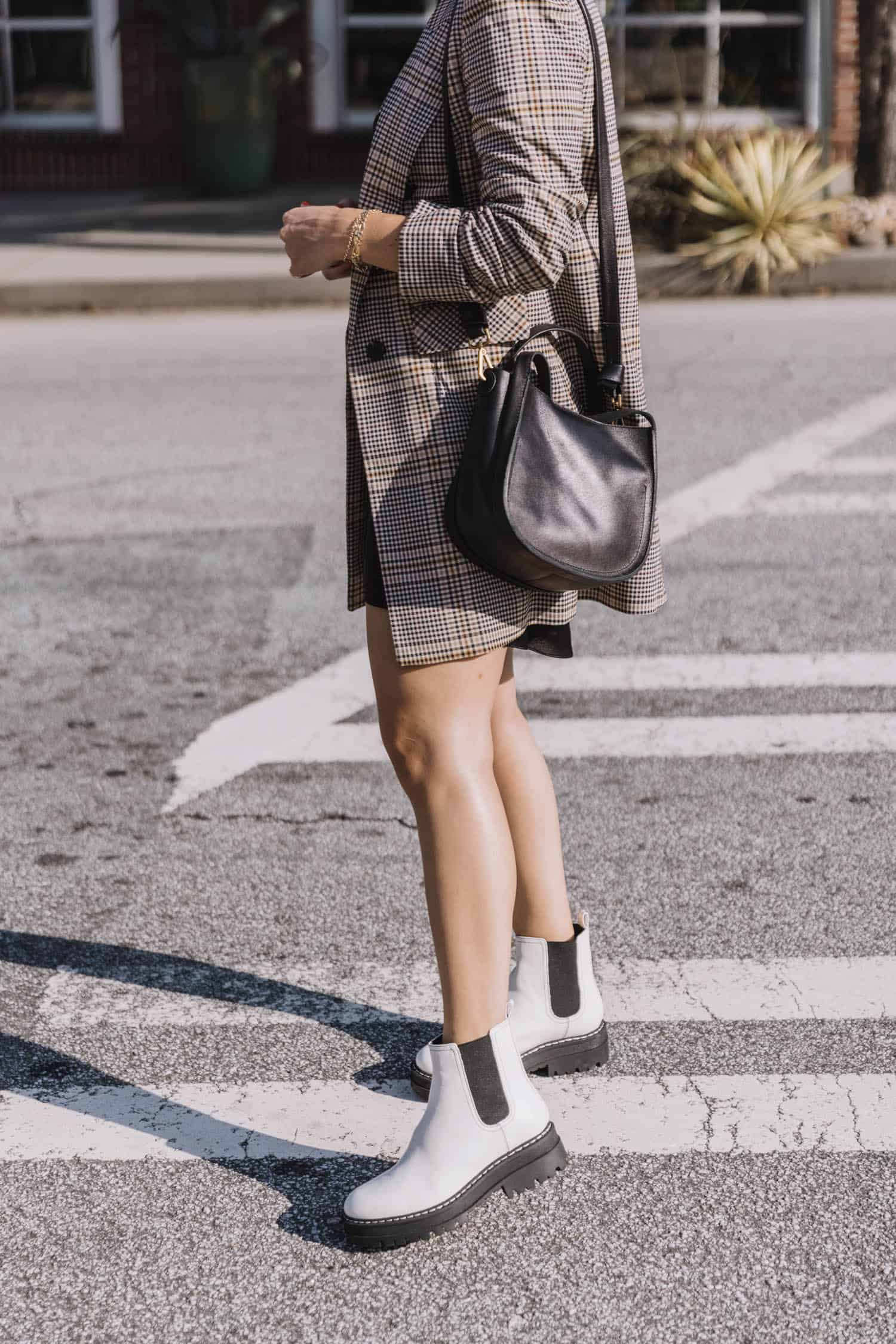 How to style white boots for fall