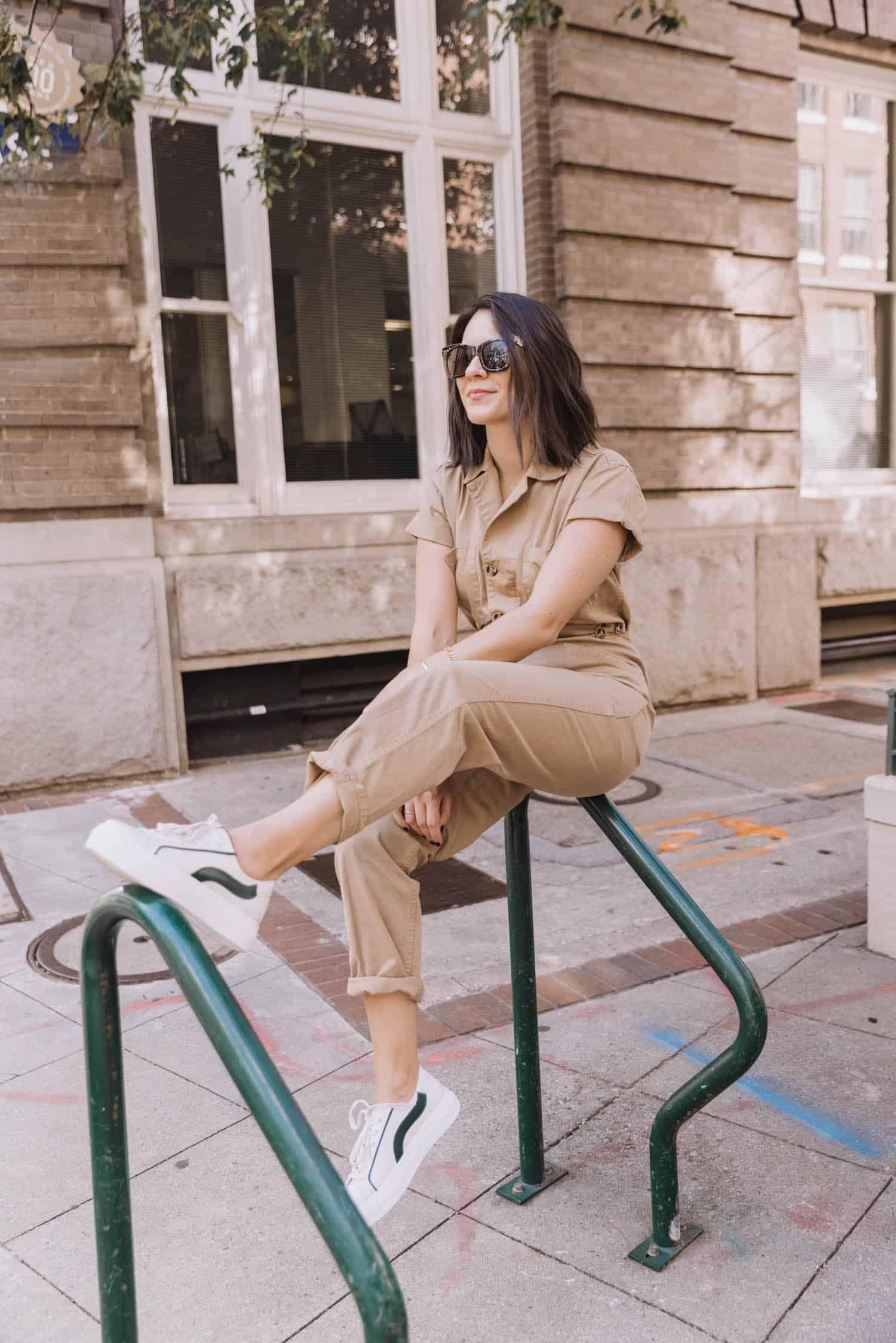 Short sleeve jumpsuit style tips